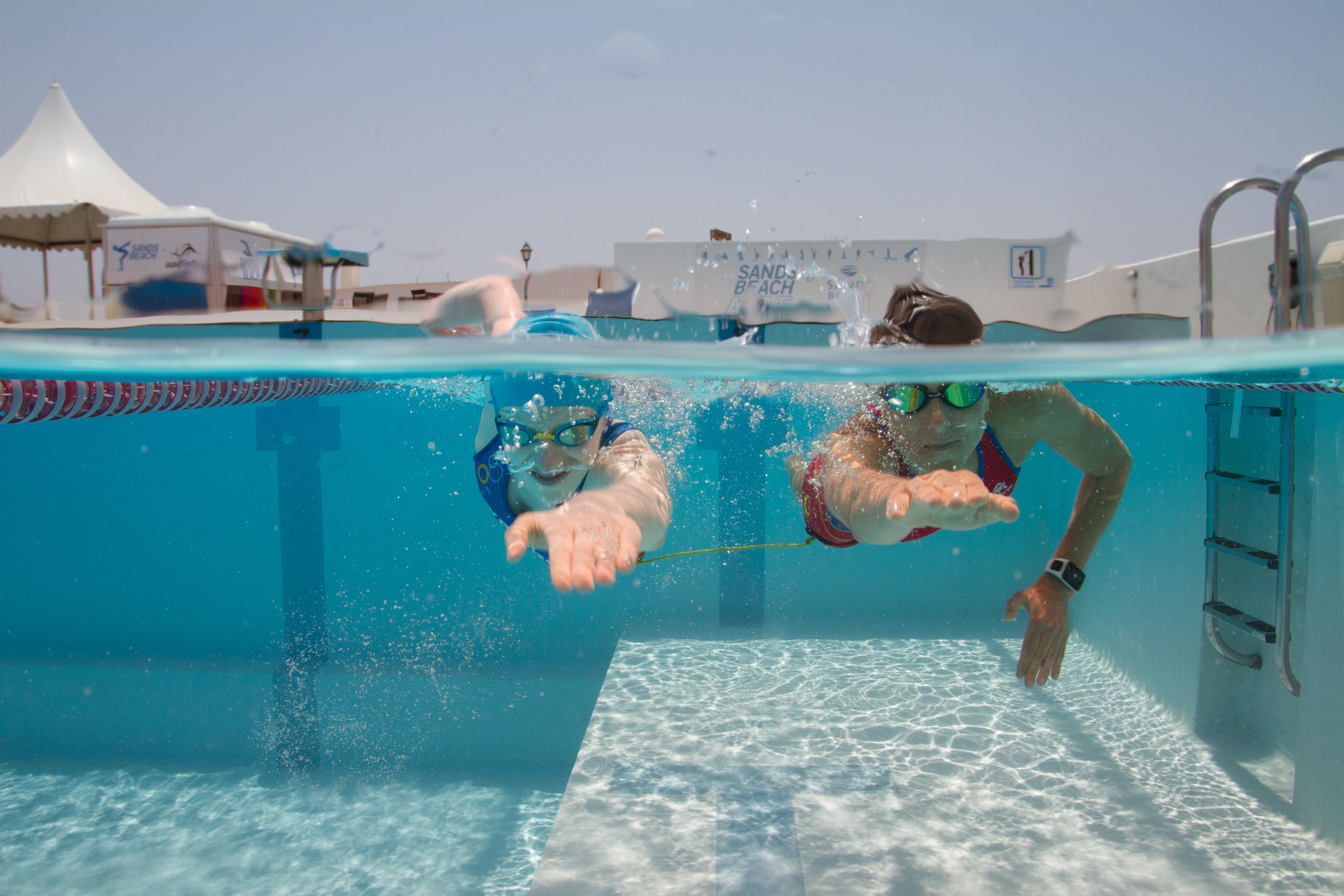 PETRA VAN BORM/SANDS BEACH ACTIVE