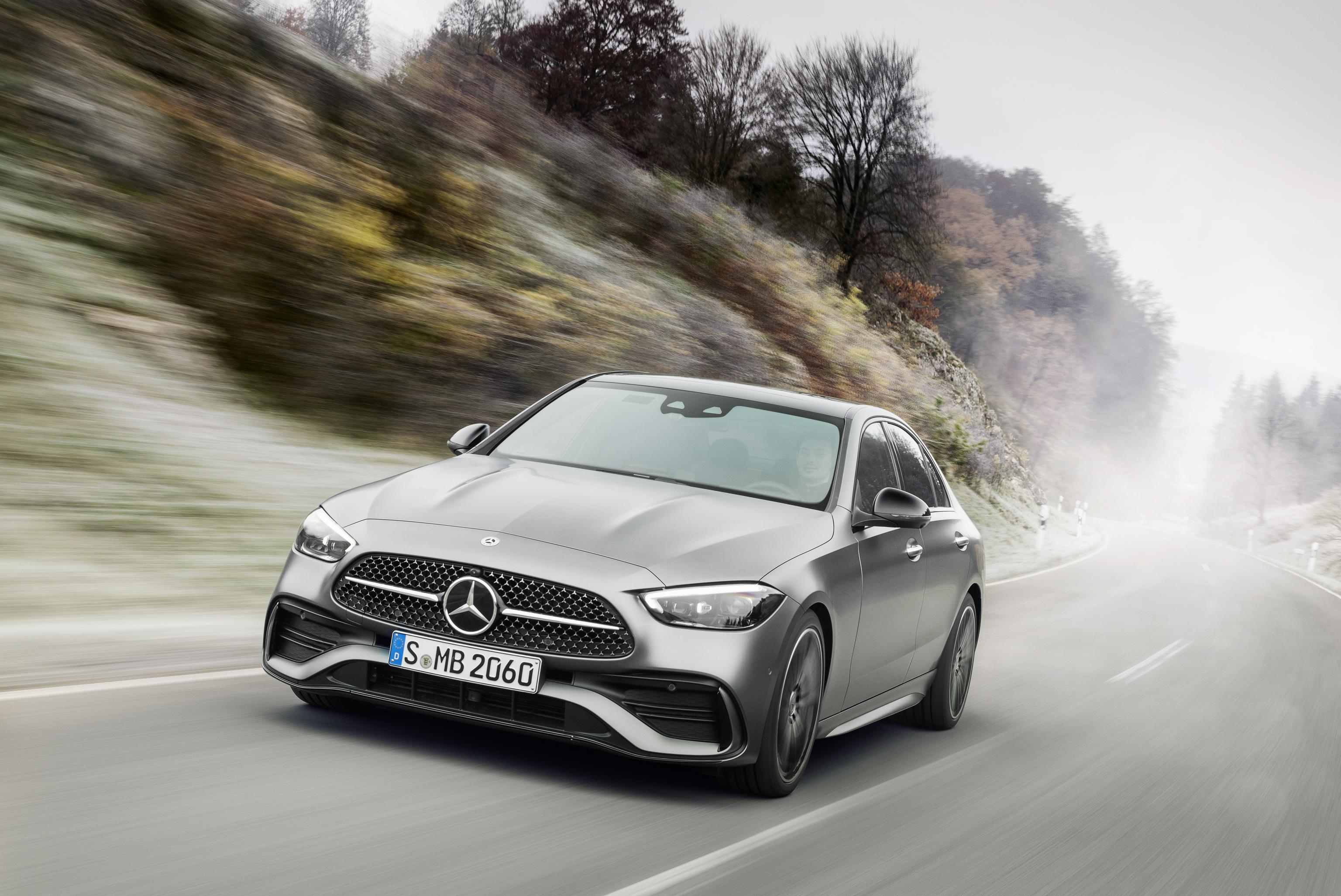 La nueva Clase C de Mercedes-Benz llega con fuerza a su quinta generación.