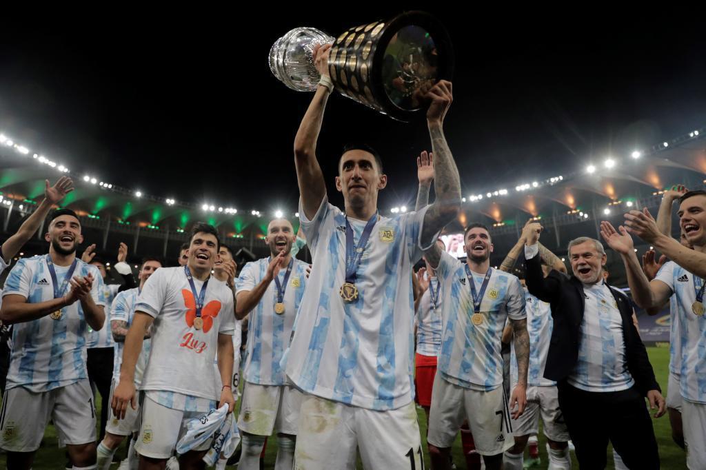 Ángel di María celebra la Copa América tras la final contra Brasil en Maracaná.