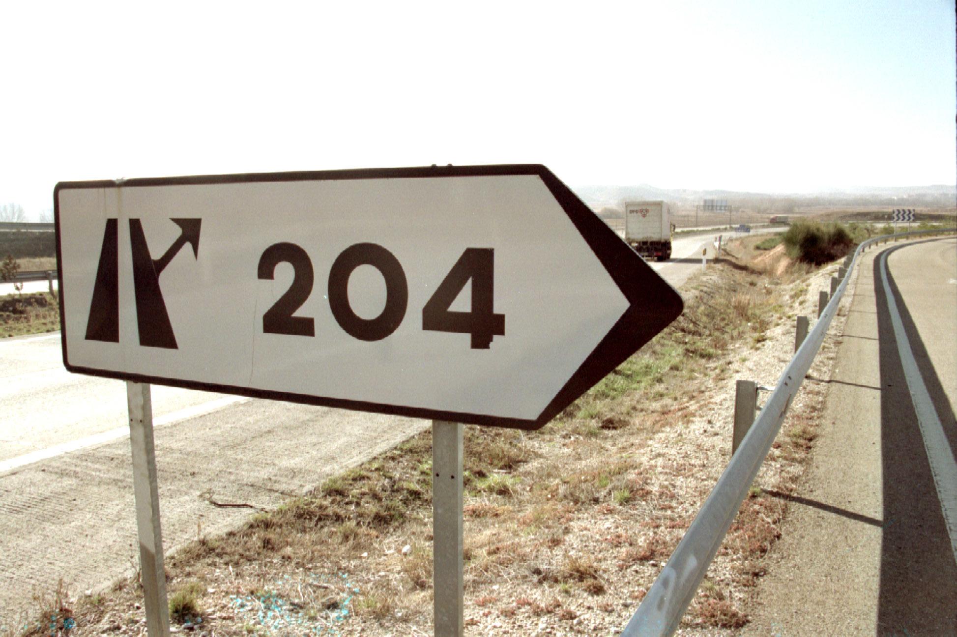 Señalización del kilómetro 204 de la carretera Nacional II, a la altura de Calatayud, Zaragoza.