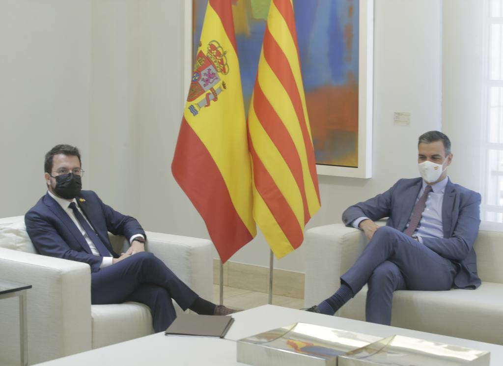 Pedro Sánchez y Pere Aragonès, durante una reunión.