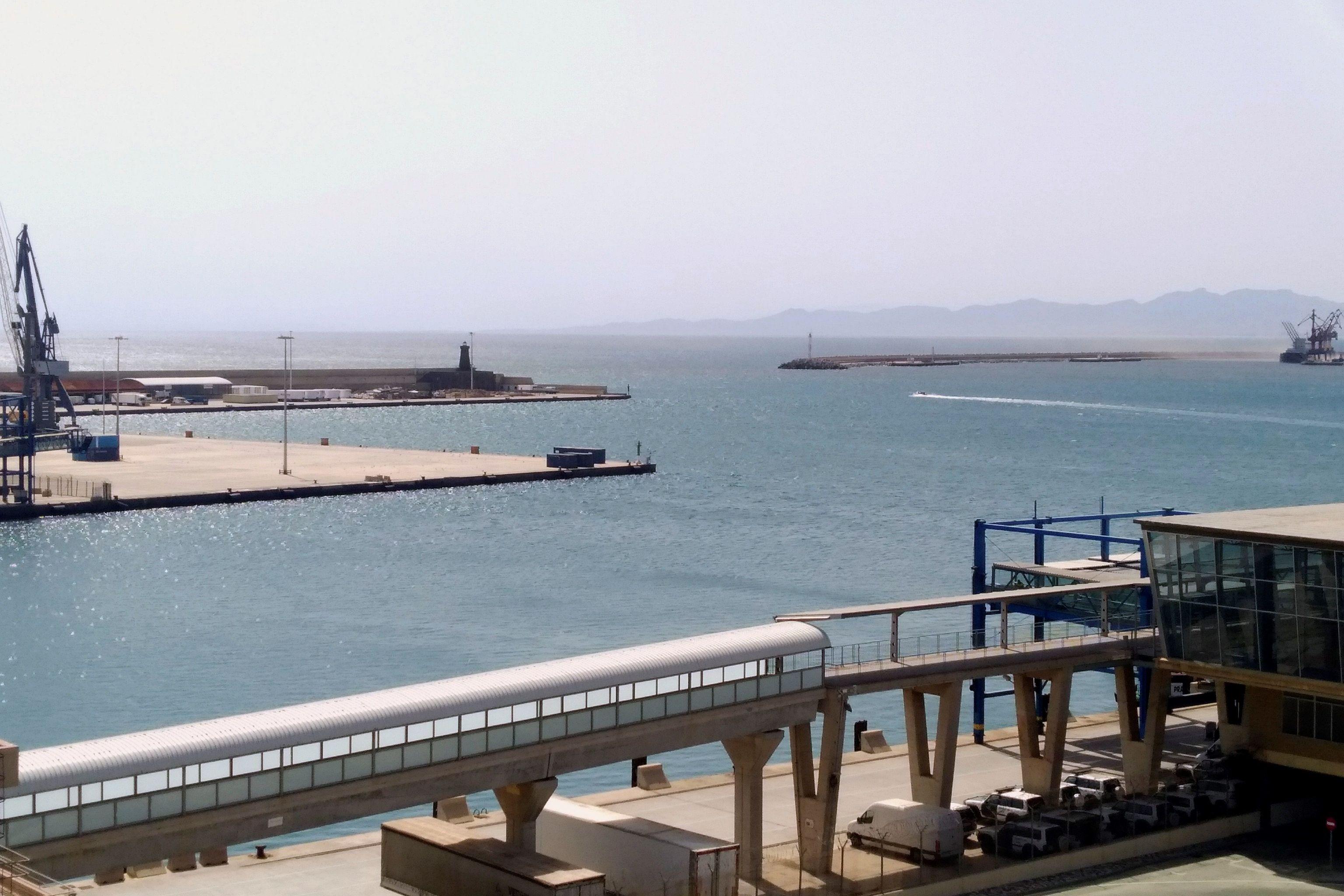 Puerto de Melilla, con las conexiones con Marruecos reducidas a mínimos desde hace 15 meses.