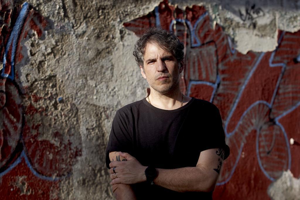 El escritor Antonio Agredano, en Sevilla.