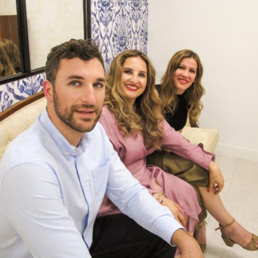 El equipo de dermatólogos de la clínica Natividad Cano: Antonio Ruedas, la propia Natividad Cano y Sagrario Galiano.