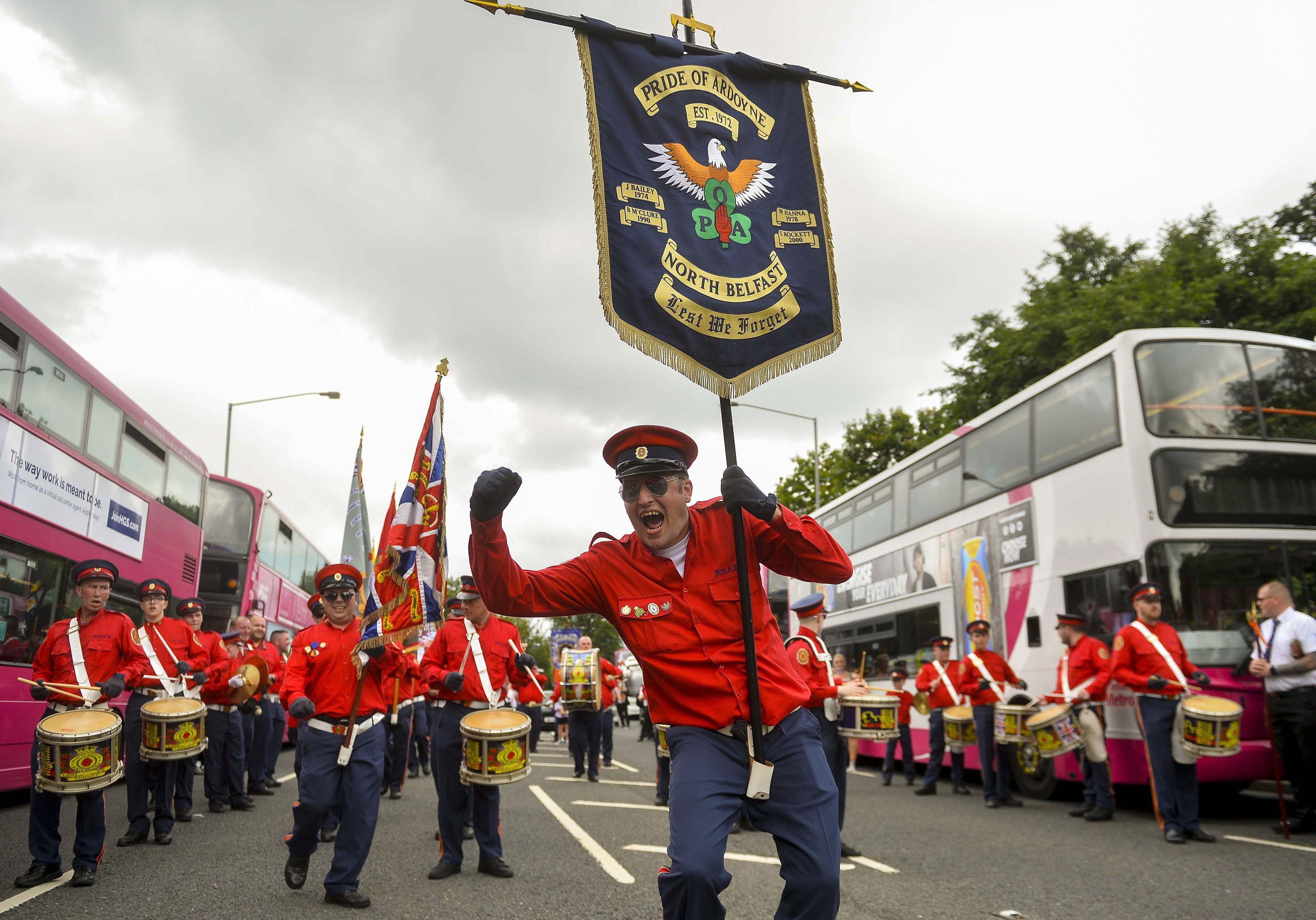 رژه اتحادیه ها در بلفاست.