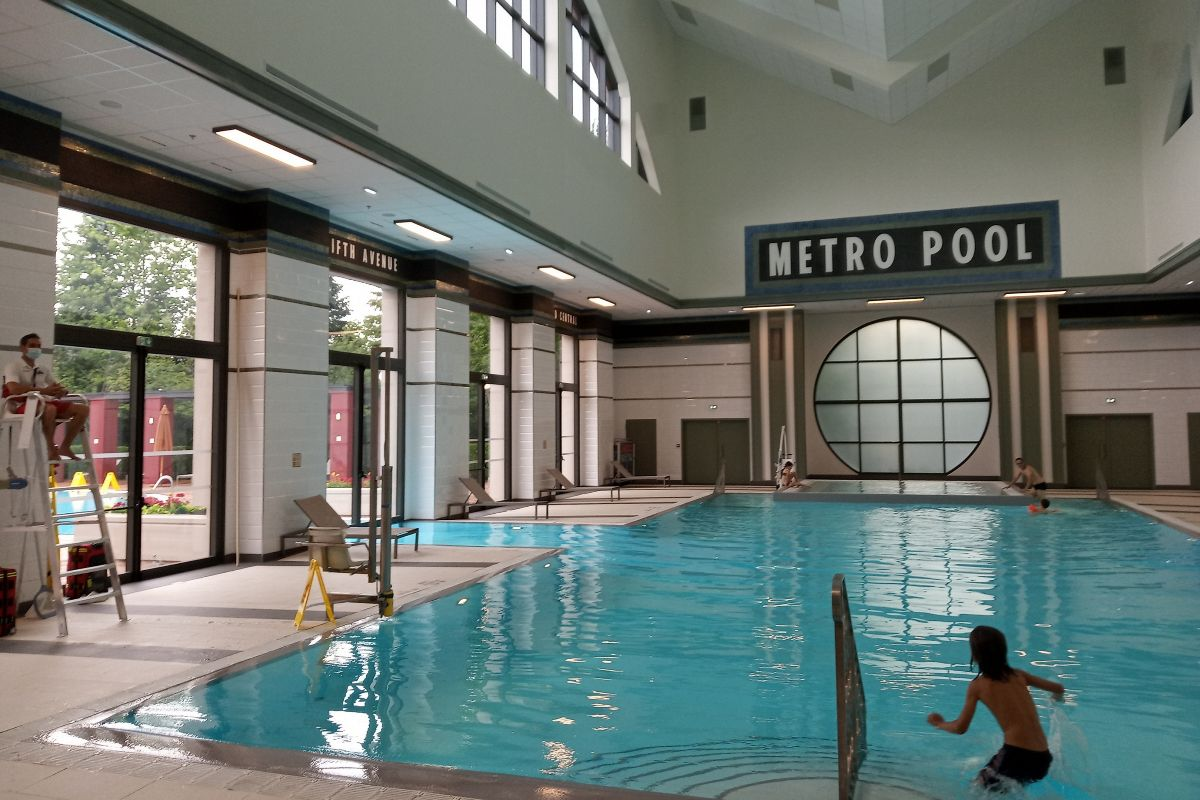 La piscina Metro Pool dentro del Hero Training Zone.