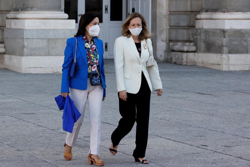 Robles y Calviño, ayer, en el acto de homenaje de Estado a las víctimas de la pandemia.