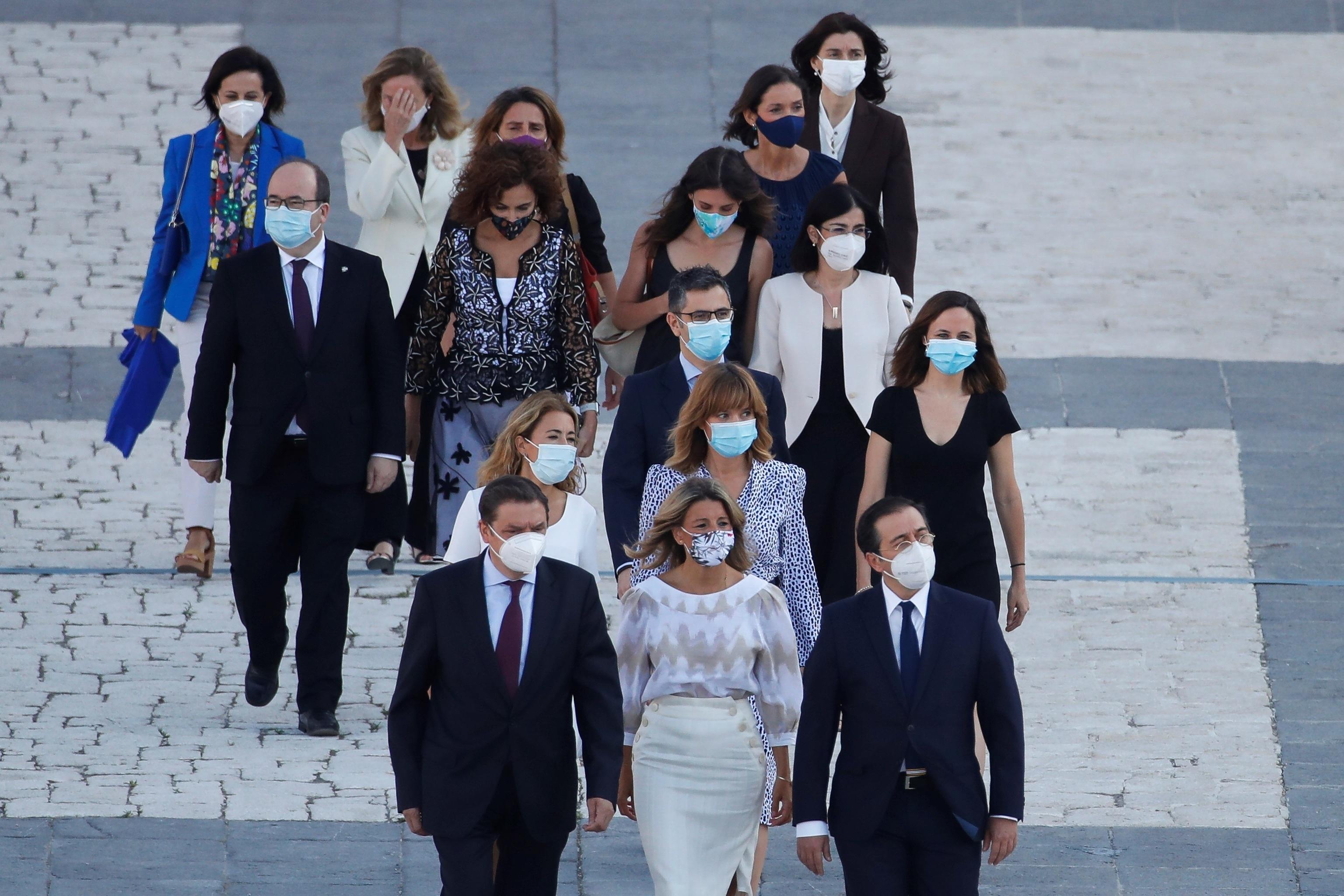Los miembros del Gobierno a su llegada al acto de homenaje.