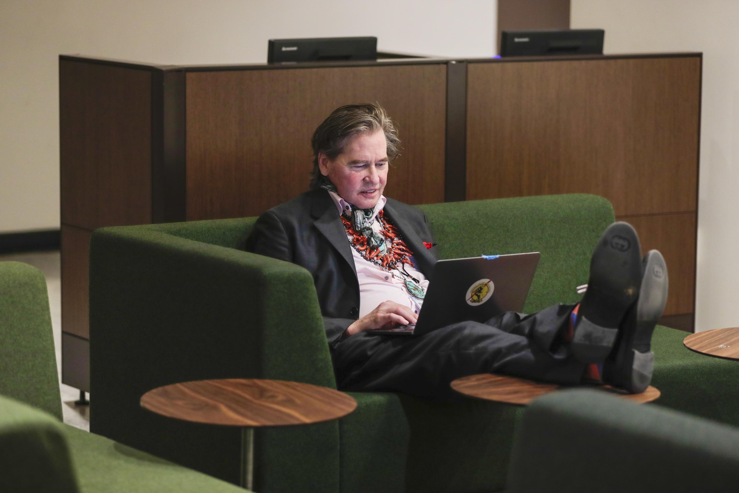 El actor Val Kilmer en un momento del documental 'Val'.