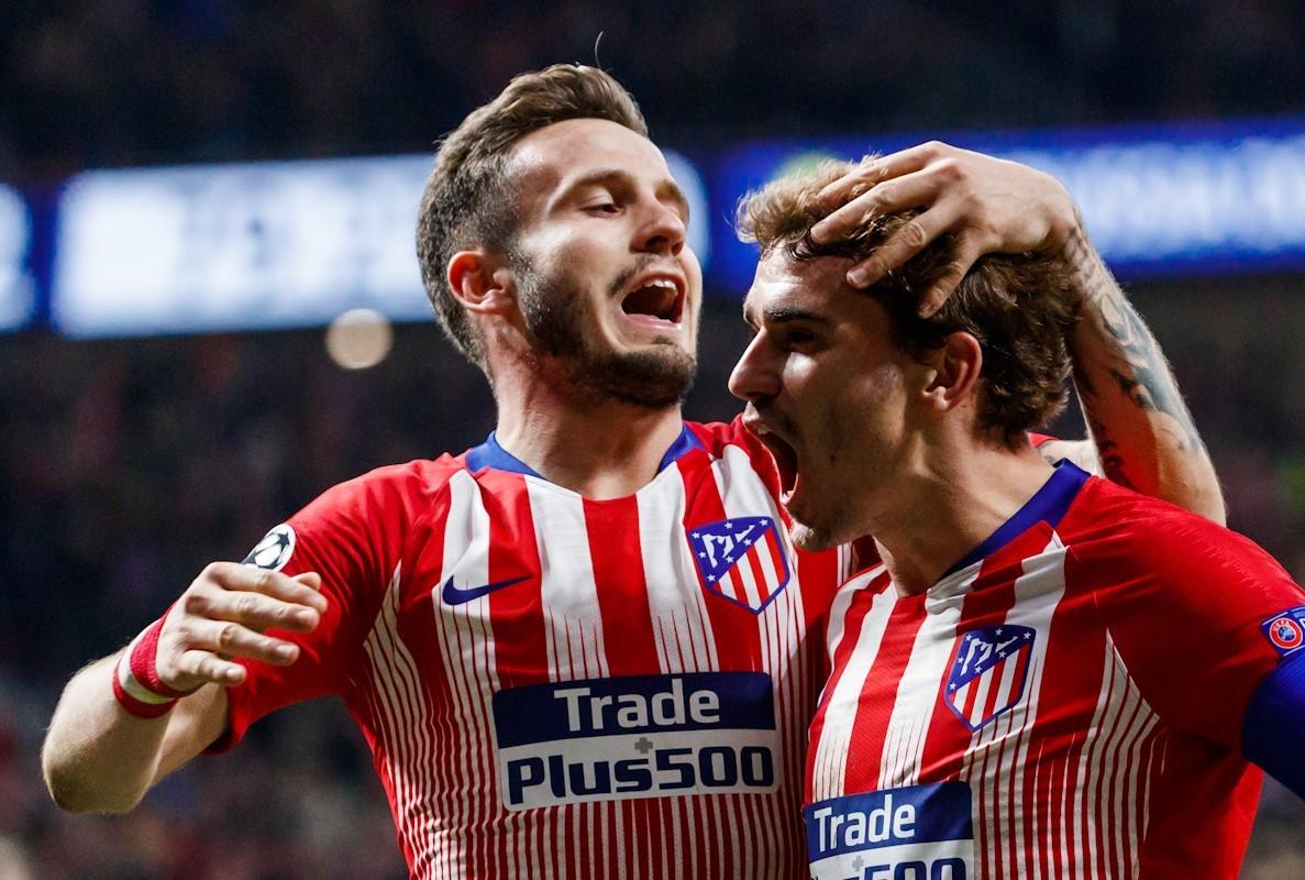 Saúl y Griezmann, durante un partido de Champions del Atlético en 2018.