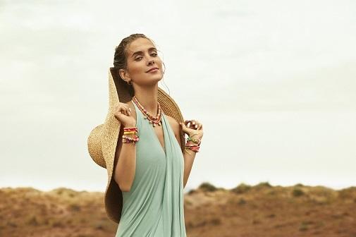 María Pombo con joyas de su nueva colección para Agatha Paris