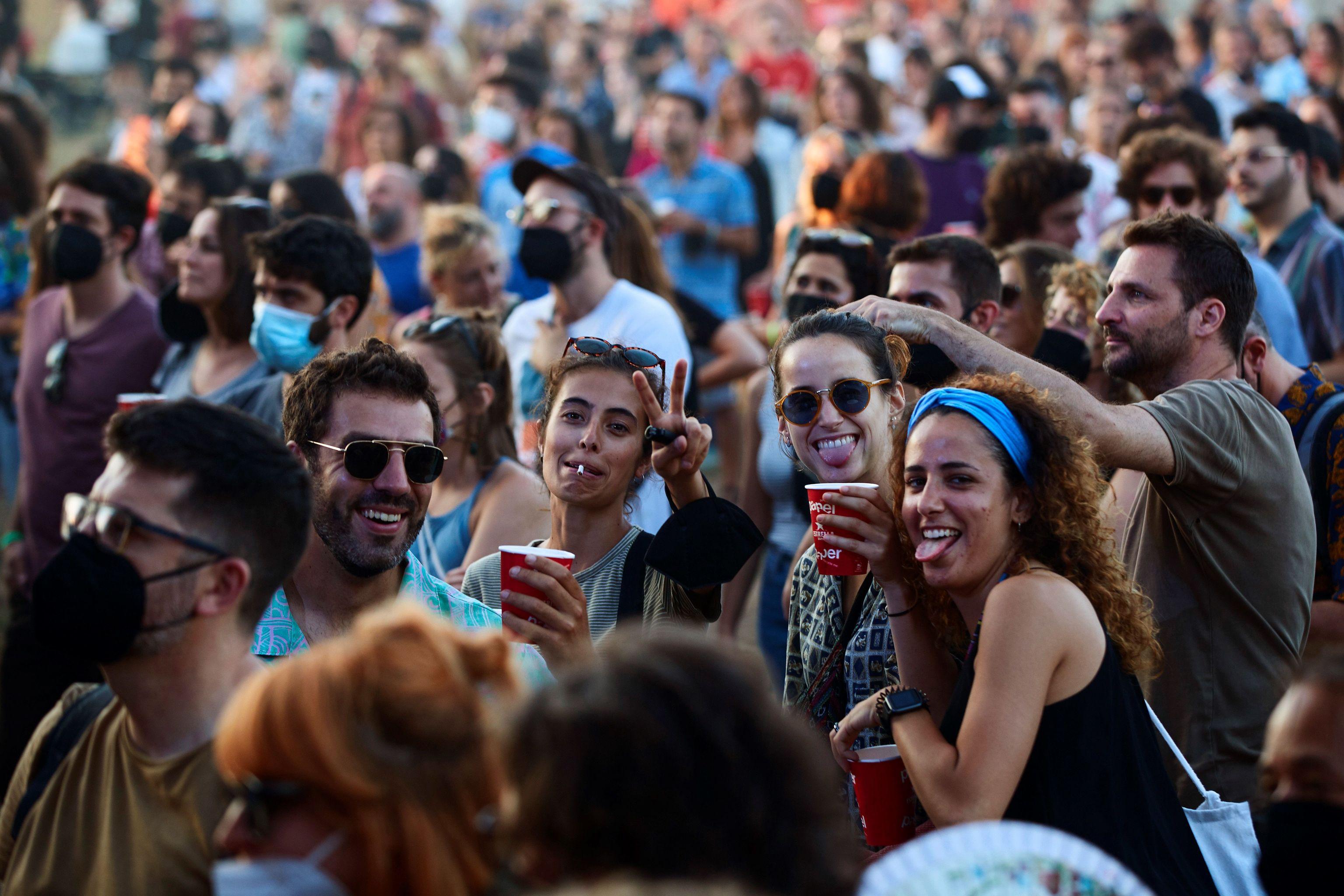 Asistentes a la primera jornada del Vida Festival.