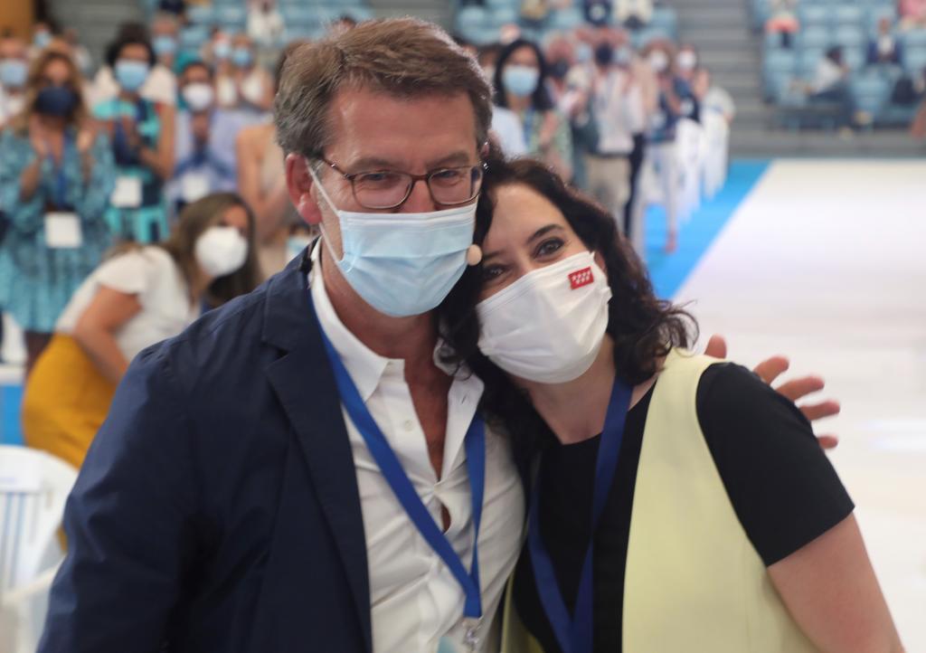 Feijóo y Ayuso en el Congreso del PP gallego.