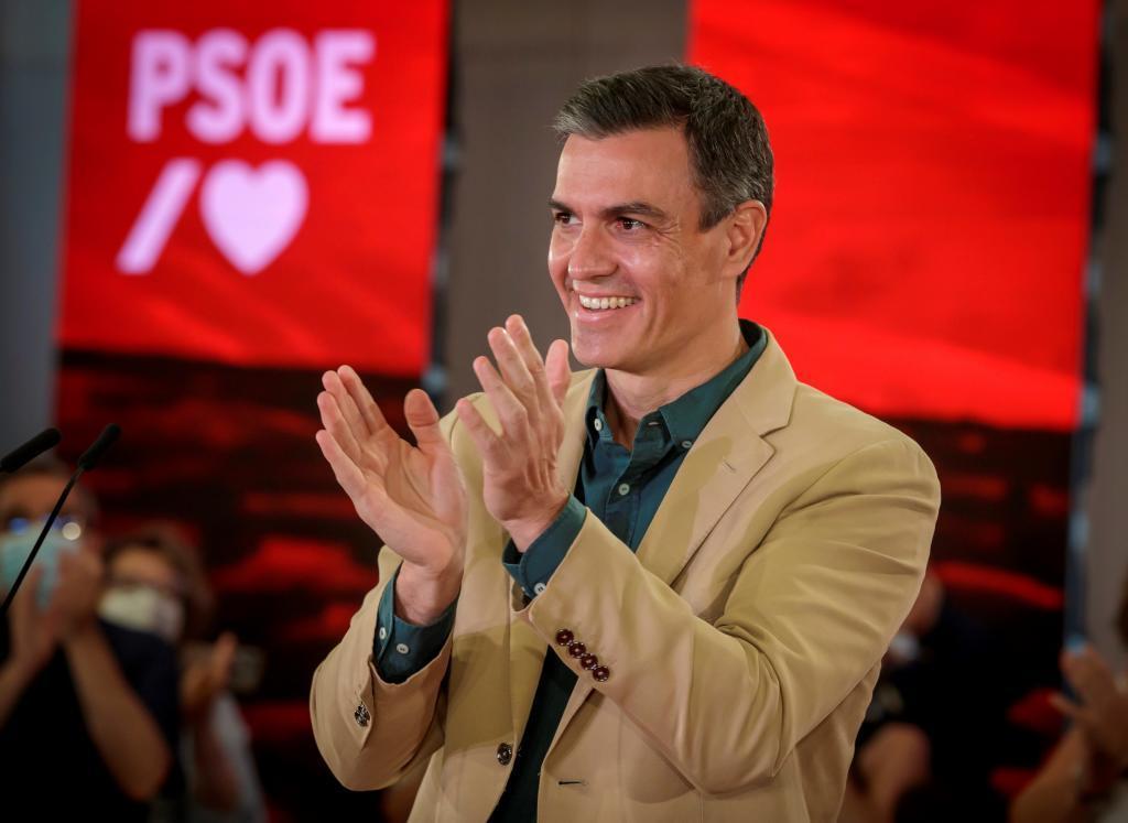Pedro Sñanchez, ayer, en un acto político en Sevilla.