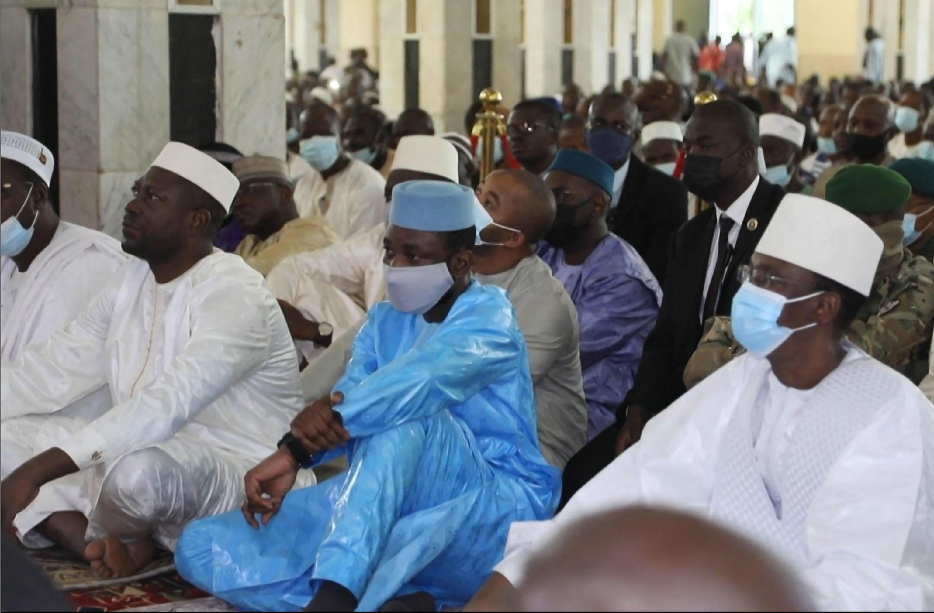 Intentan asesinar al presidente interino de Mali (VIDEO)