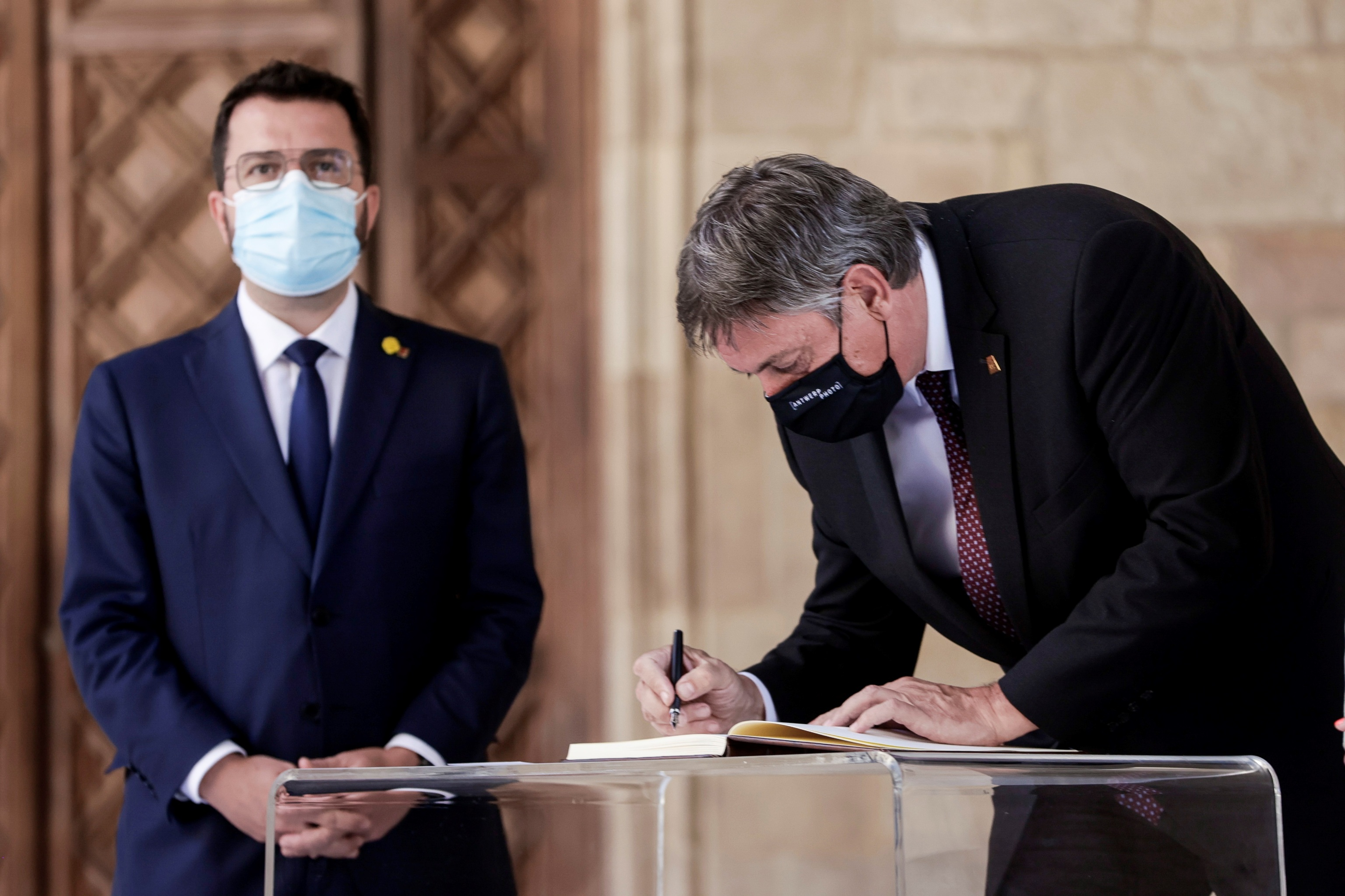 El presidente de la Generalitat, Pere Aragonès, ayer con el ministro-presidente de Flandes.