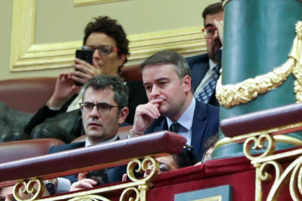 Iván Redondo, en la tribuna del Congreso junto a Félix Bolaños en 2020.
