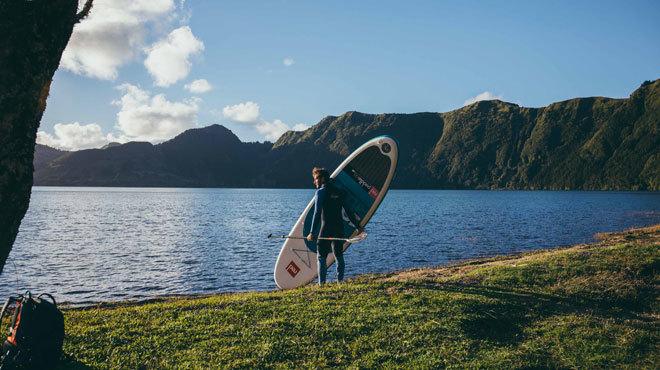 Las Azores ofrecen infinitas actividades al aire libre como el pádel-surf,