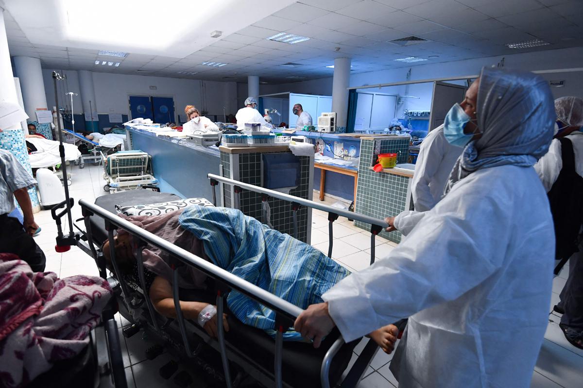 El hospital Charles Nicole, de Túnez, colapsado.