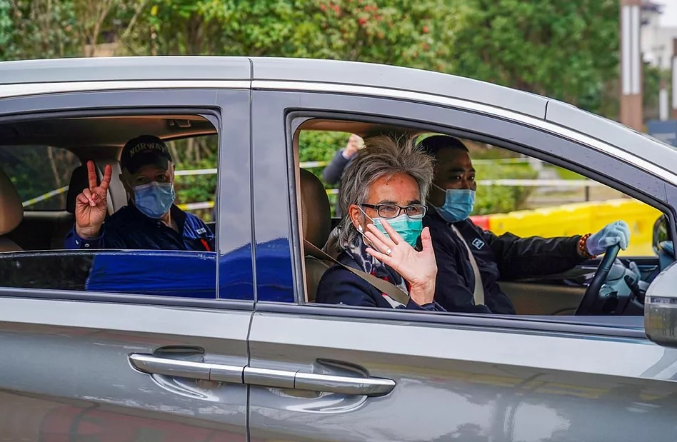 """China arremete contra la OMS por su """"arrogante"""" propuesta para investigar de nuevo en el país el origen del coronavirus"""