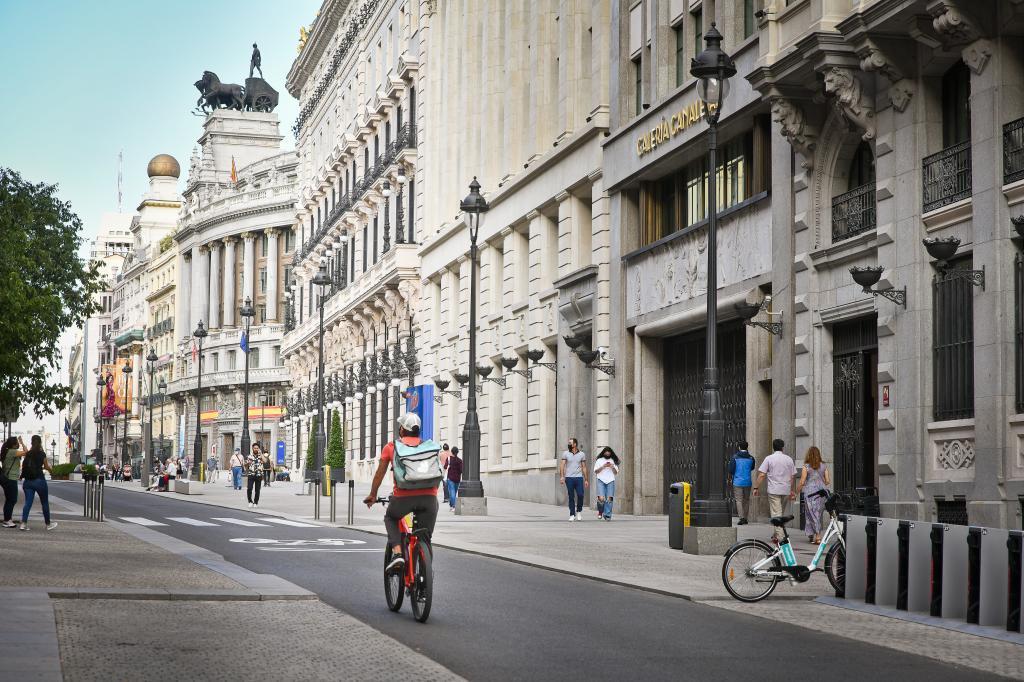Calle comercial del centro de Madrid.