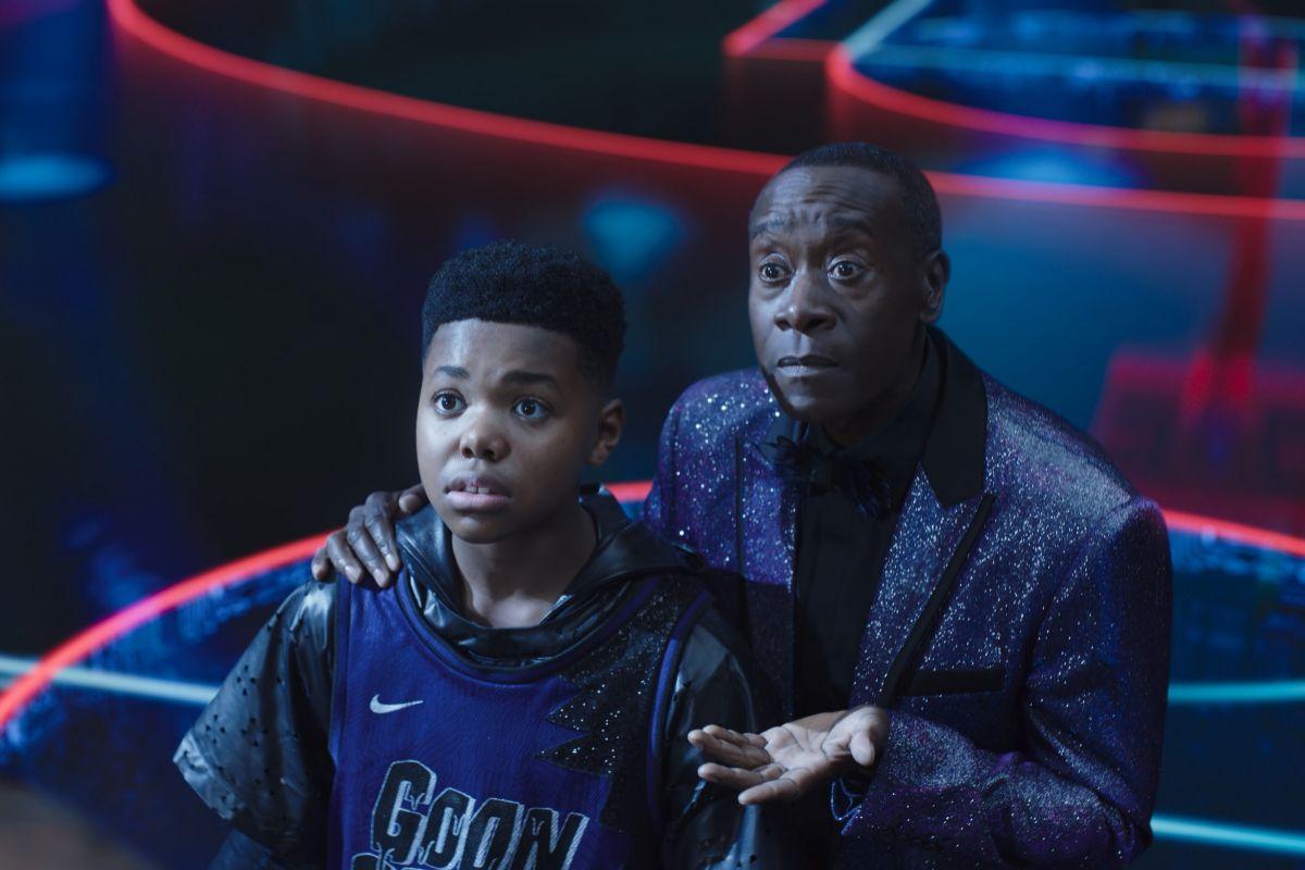 Cedric Joe interpreta al hijo de LeBron James y Don Cheadle se encarga de Al G. Rhythm.