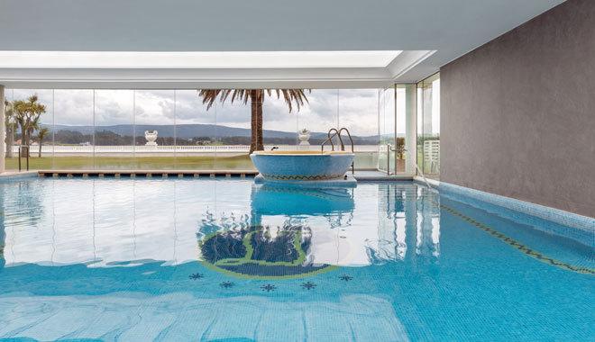 Piscina del único balneario de cinco estrellas de Galicia.