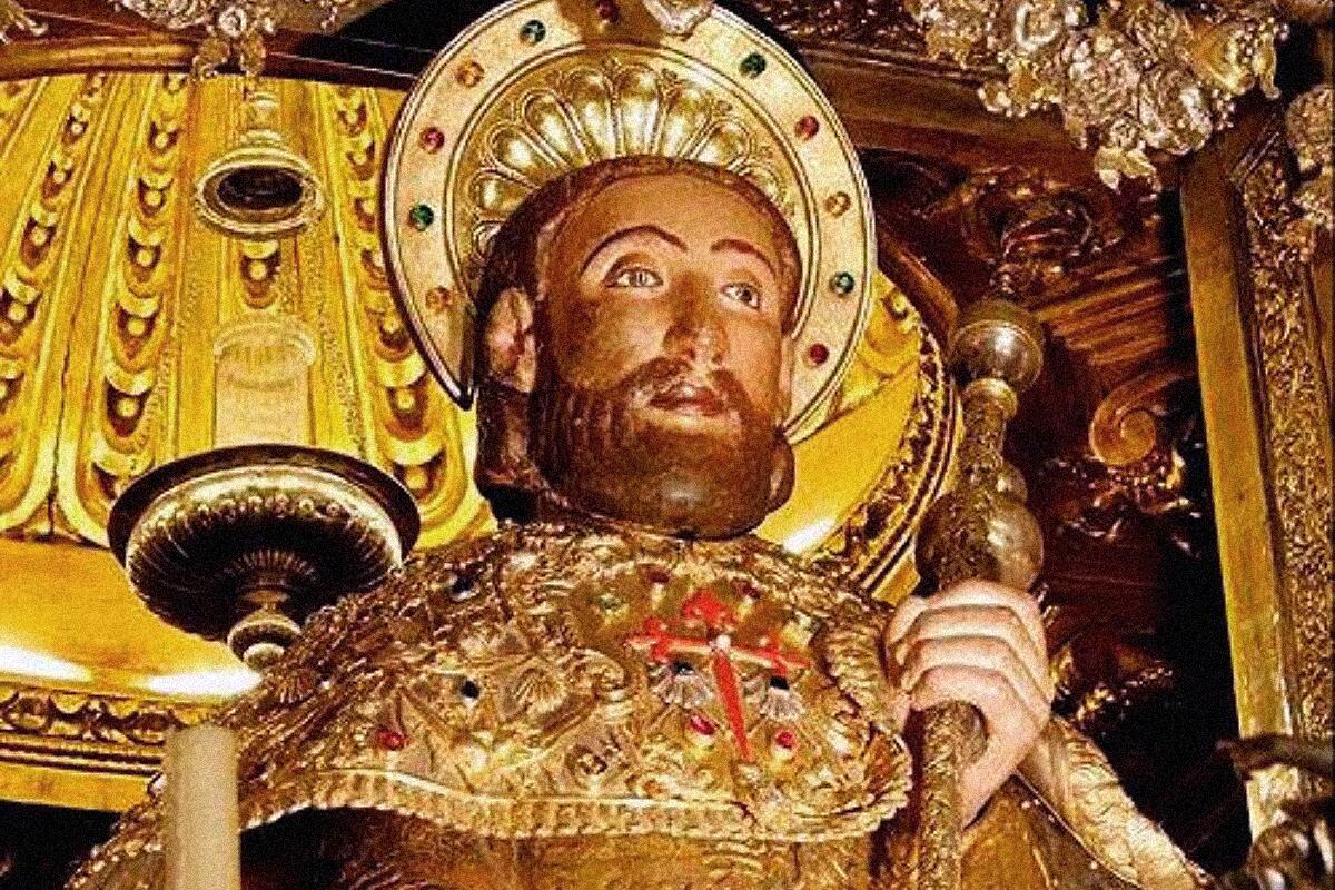 El apóstol en la catedral de Santiago de Compostela.