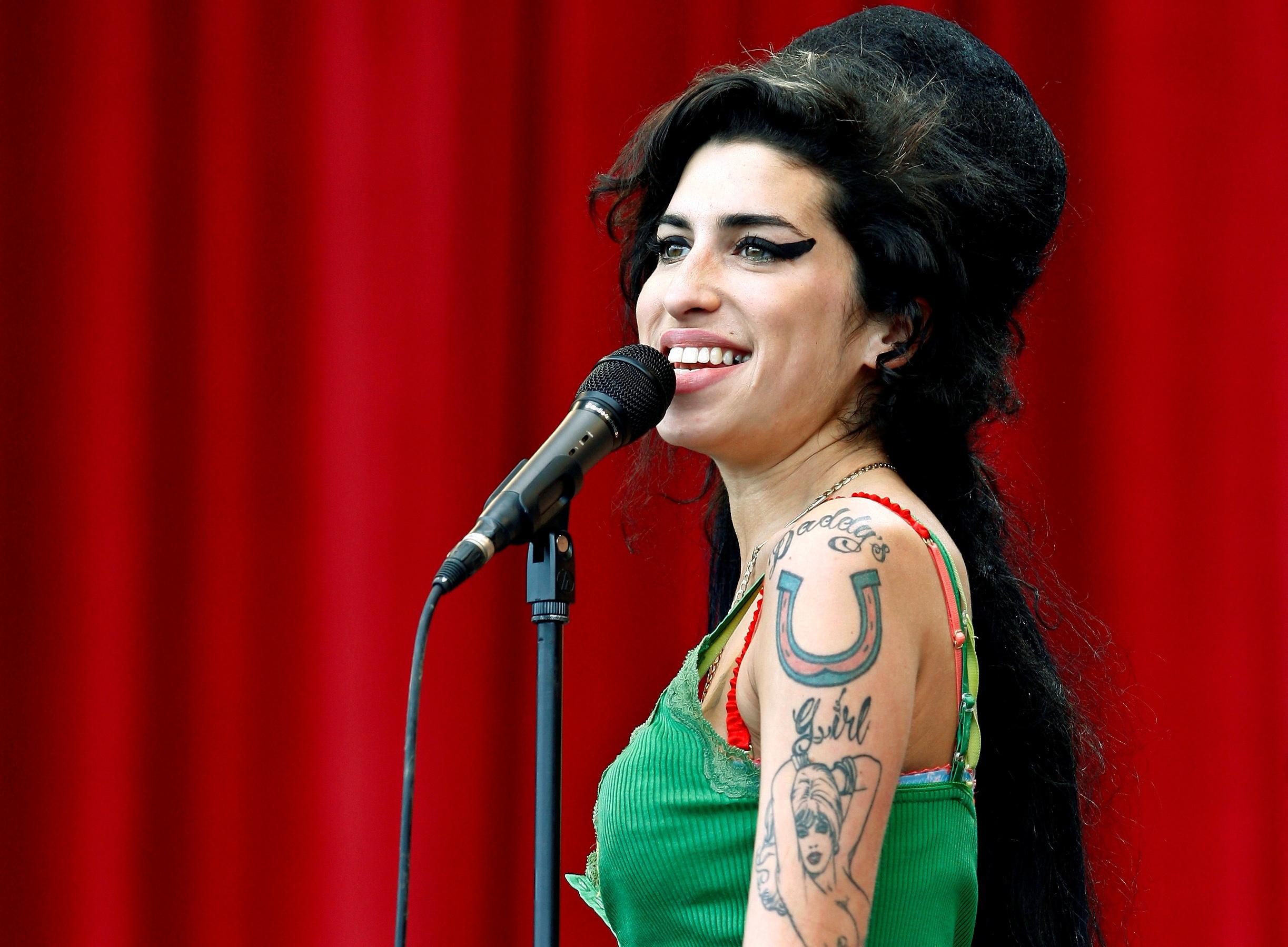 Amy Winehouse en una actuación en el Festival de Música de Glastonbury en Somerset, en junio de 2007.