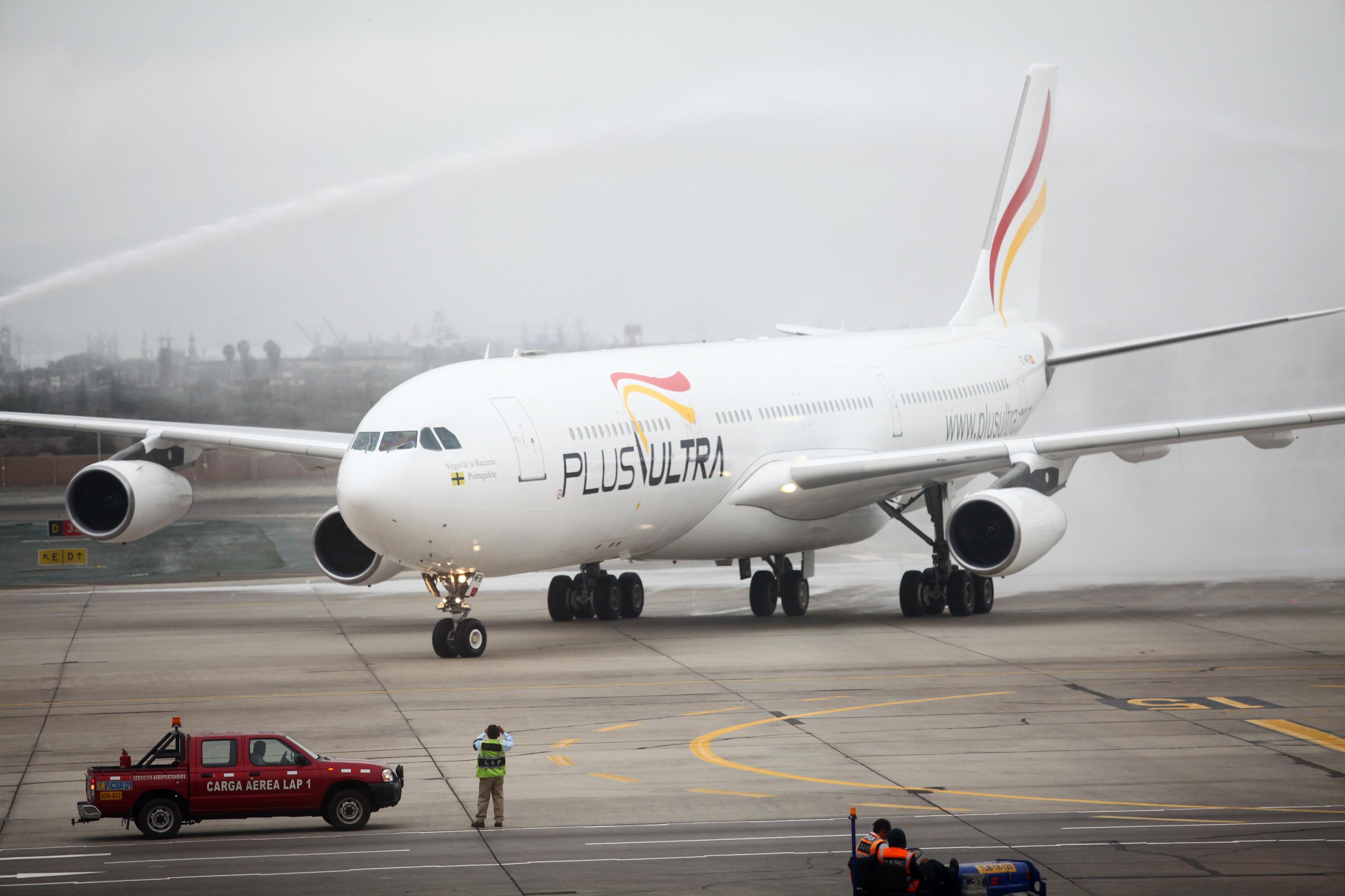 Un avión utilizado por Plus Ultra en un vuelo a Lima.