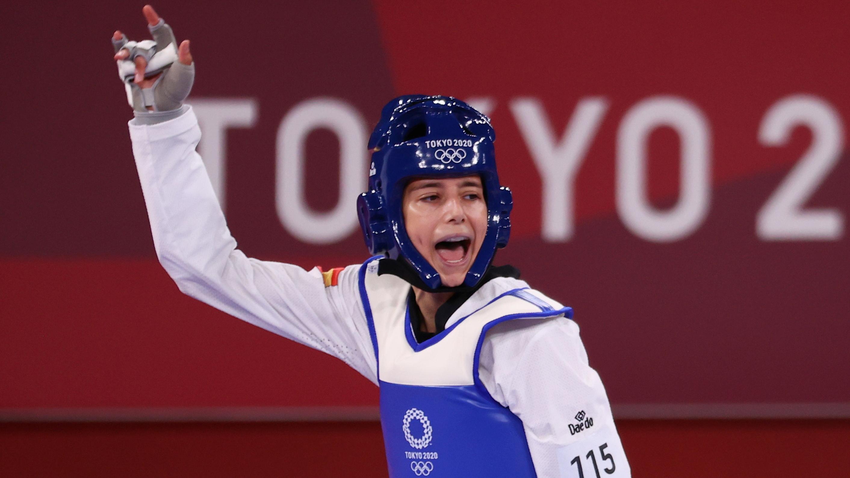 Adriana Cerezo celebra su victoria en cuartos.