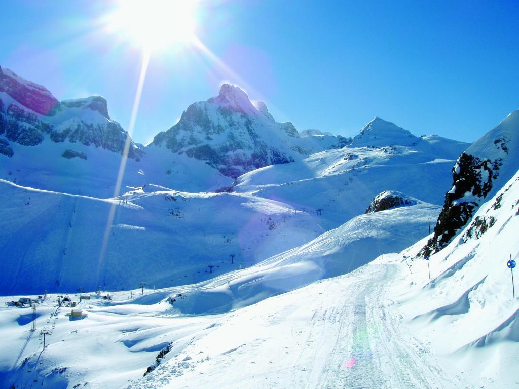 Panorámica de la estación de esquí de Candanchú
