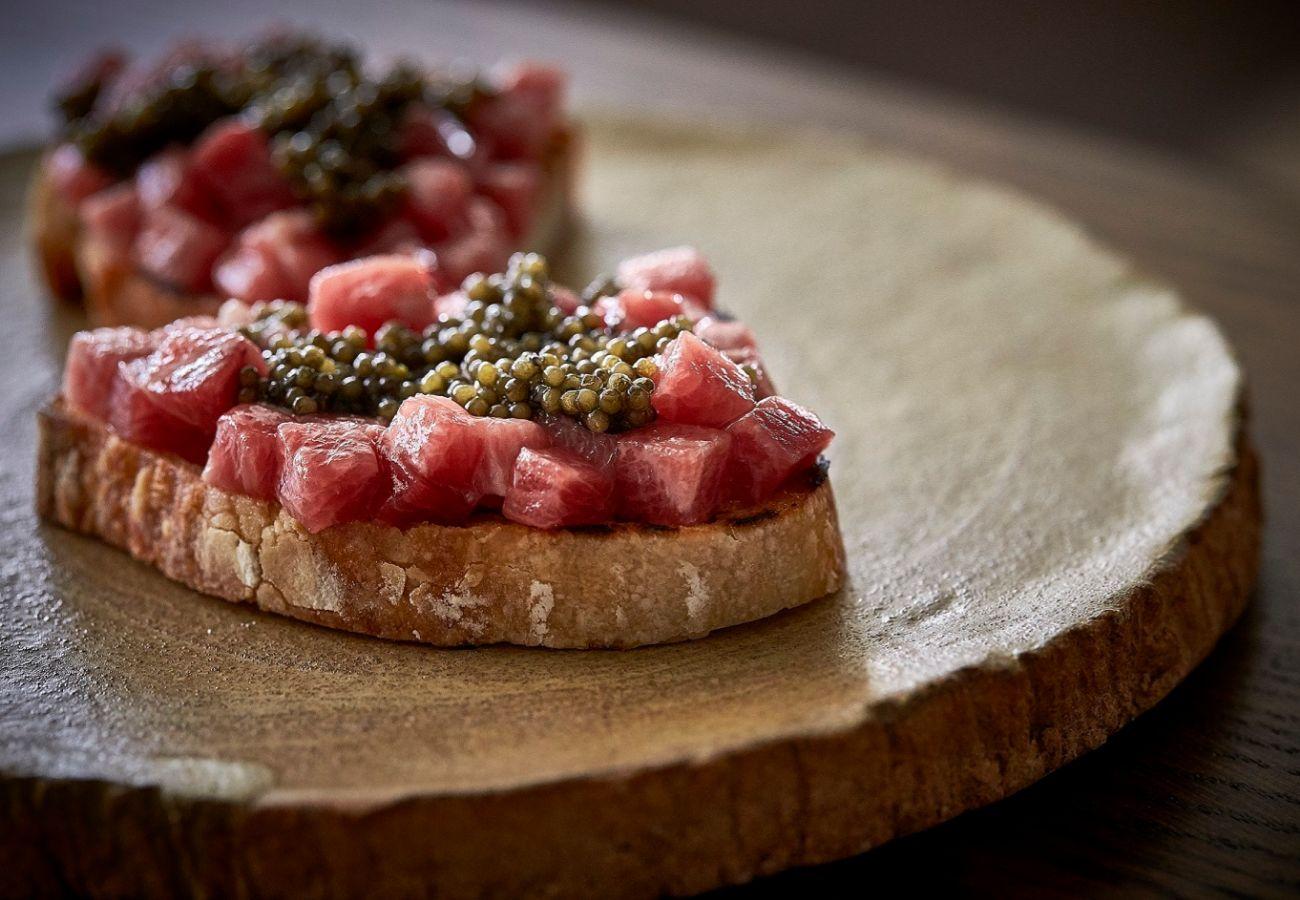 Tostada de atún y caviar, en El Lobito de Mar