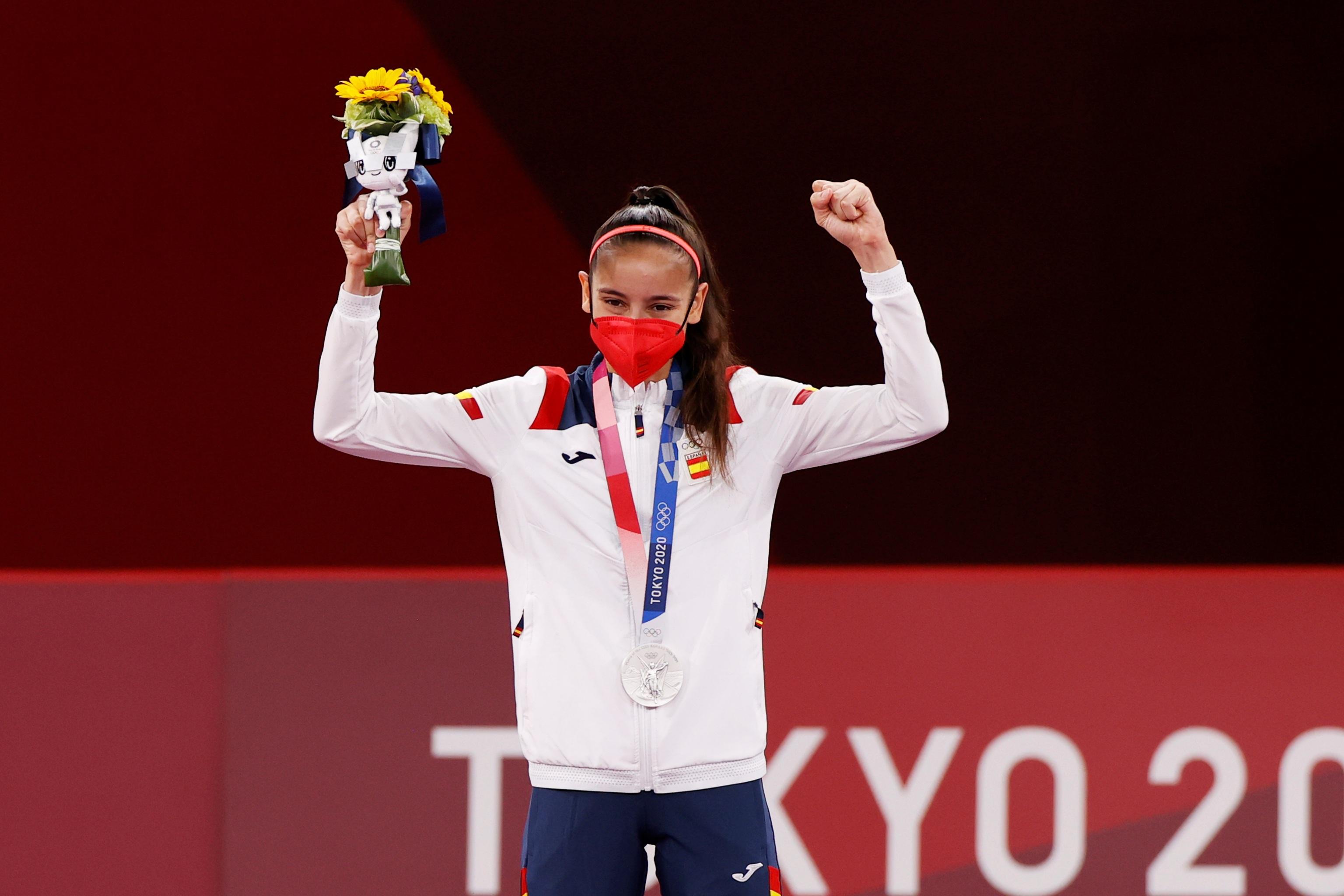 Adriana Cerezo, con la medalla de plata.