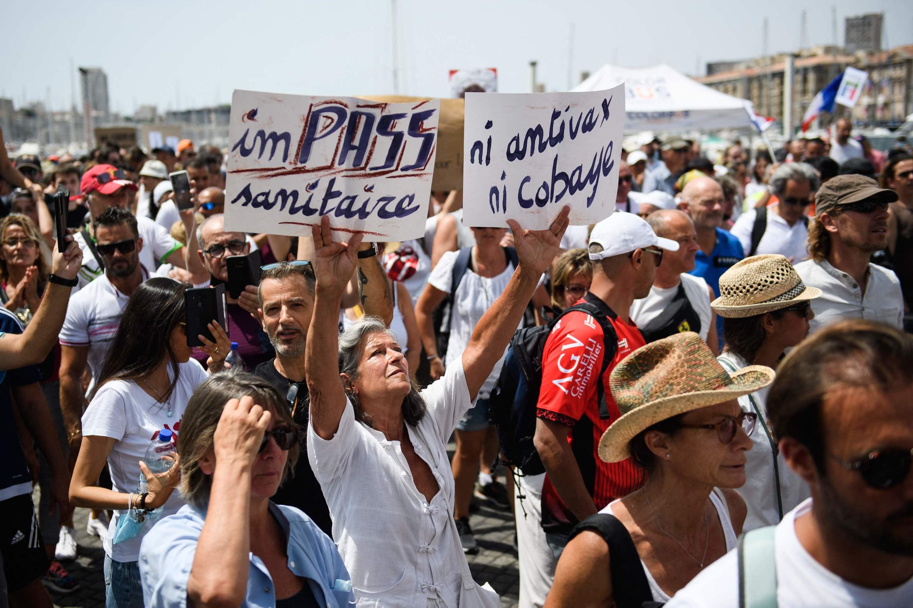 Manifestación de antivacunas en Trocadero, París.