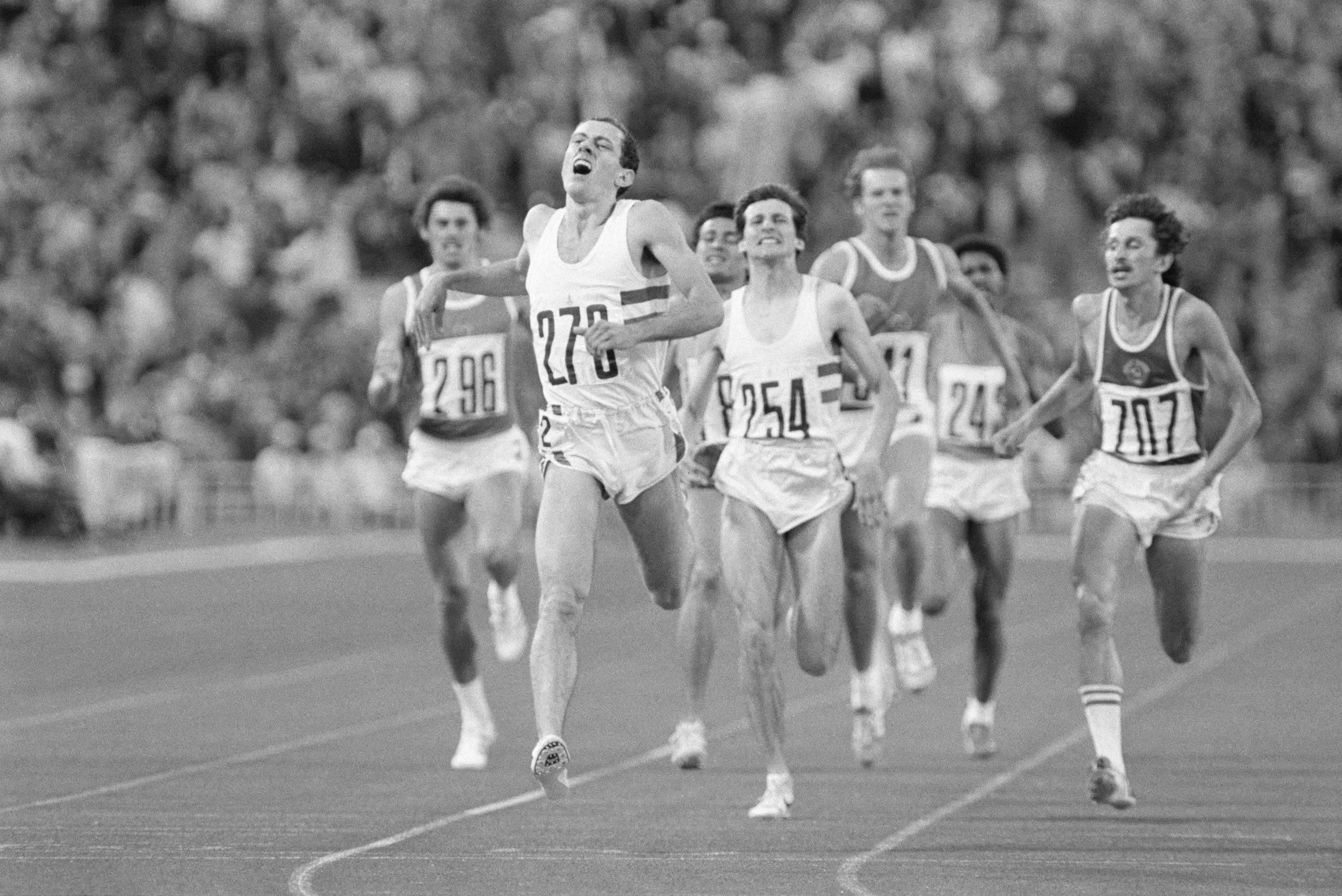Ovett logra el oro por delante de Coe en los 800 de Moscú 1980.