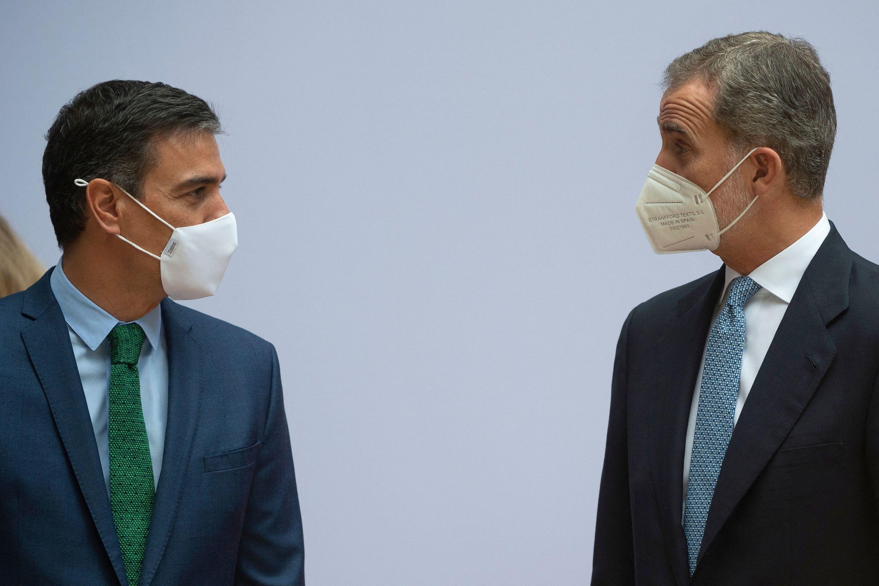 Pedro Sánchez y Felipe VI, este domingo.