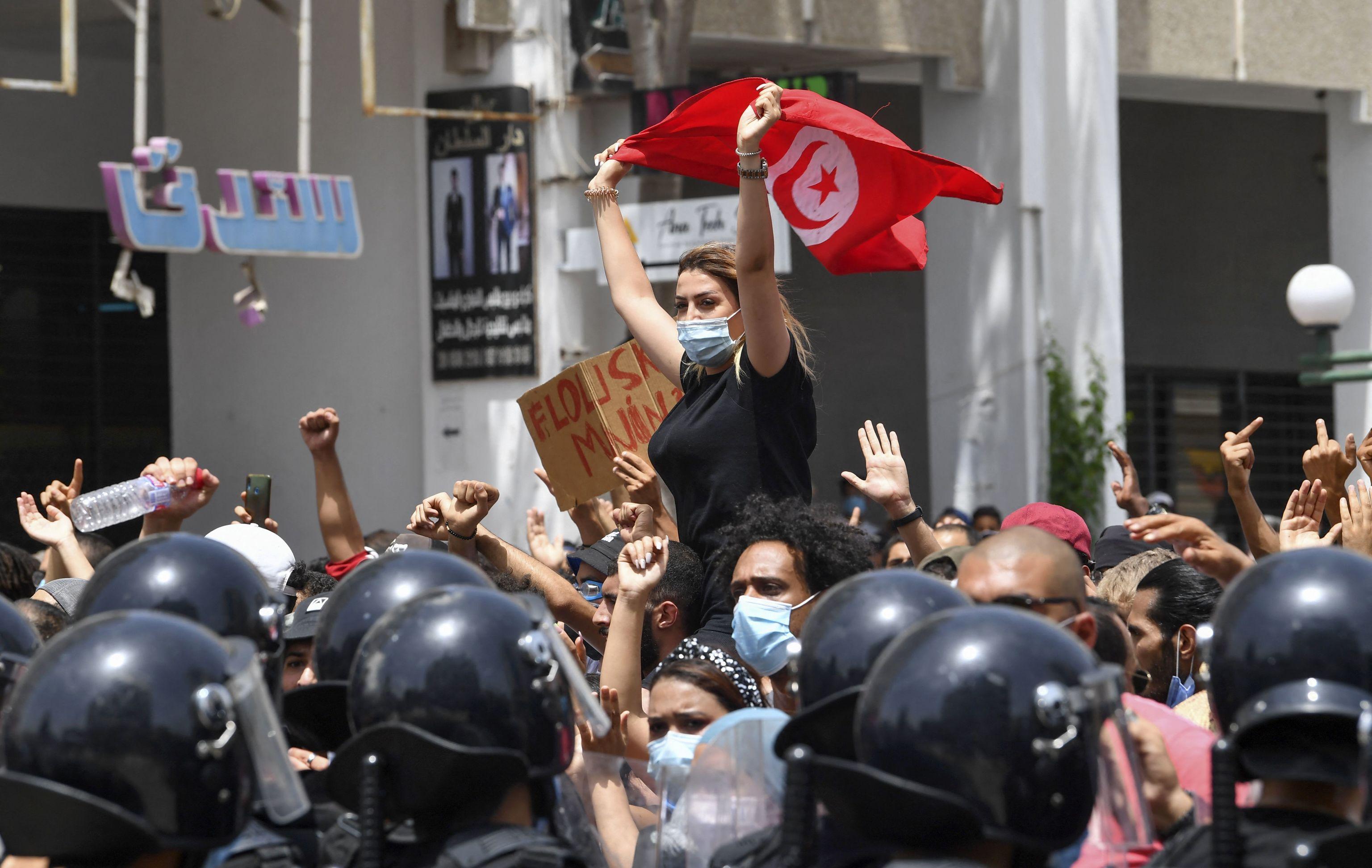 Protestas en la capital tunecina, este domingo.