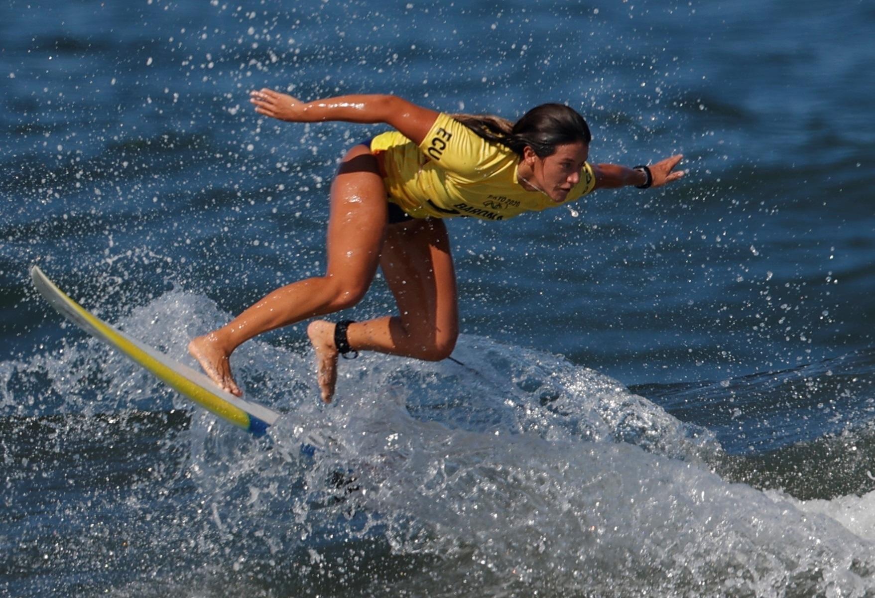 Dominic Barona, durante la segunda ronda de surf.