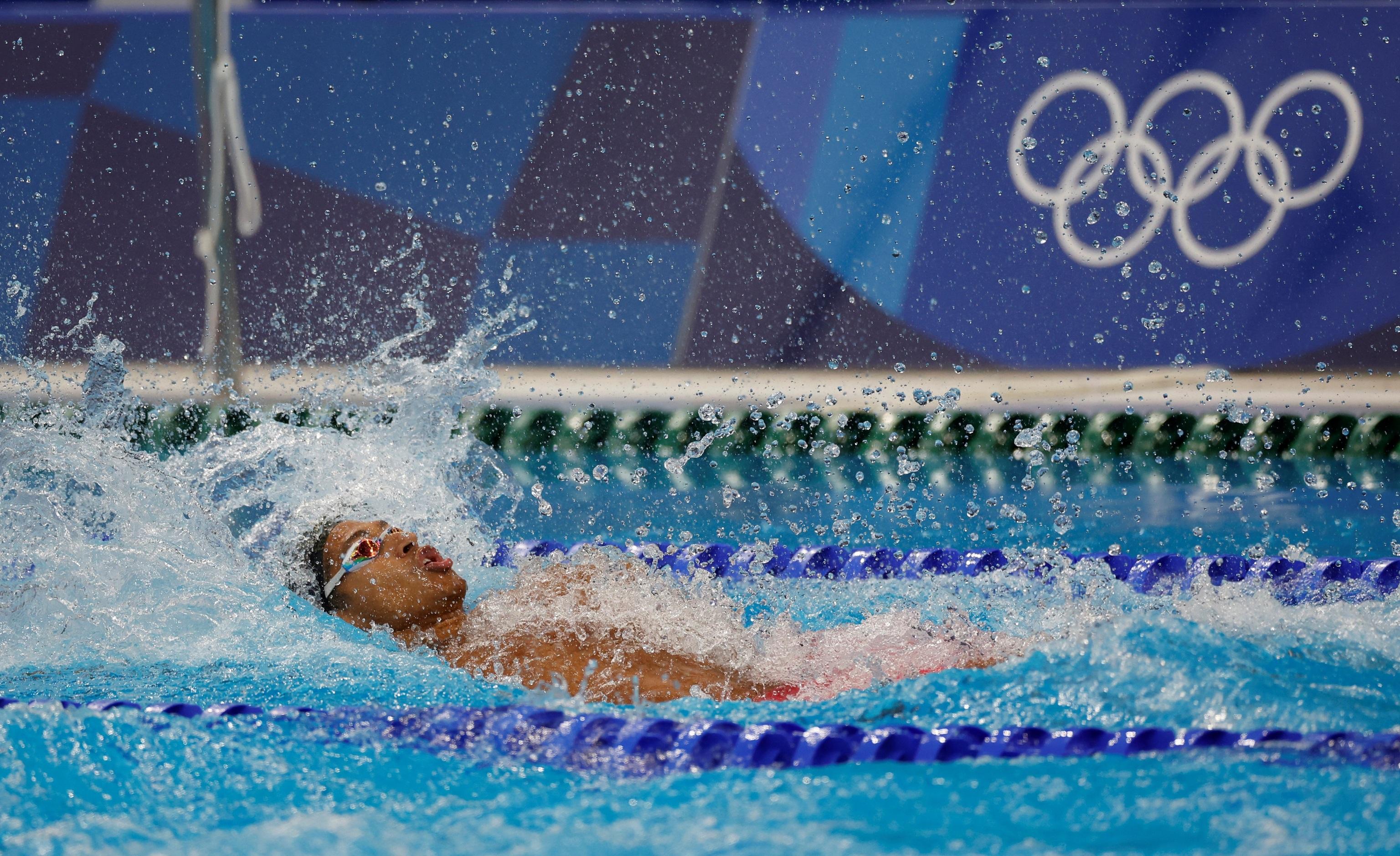 Hugo González, durante la final de los 100 espalda.