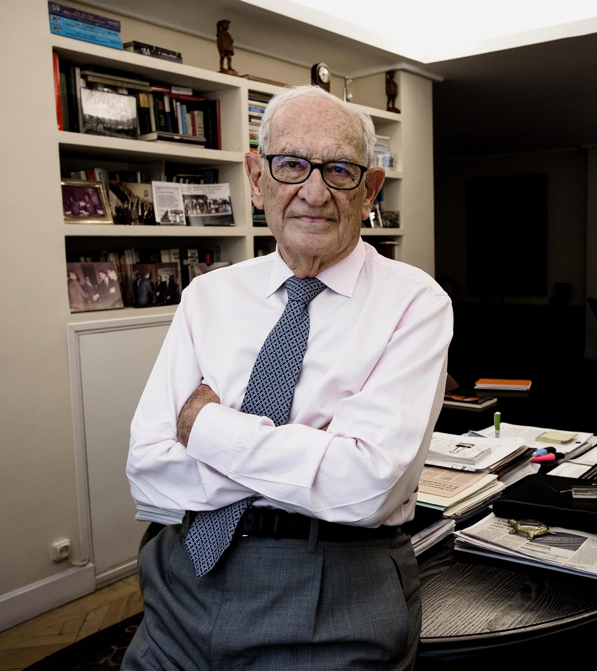 """Aristóbulo de Juan, medio siglo en el mundo bancario: """"Hay que seguir siendo exigentes con el sector"""""""