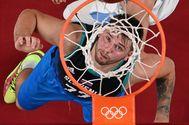 """Exhibiciones y juergas, el aura olímpica de Luka Doncic: """"Es el mejor jugador del mundo"""""""