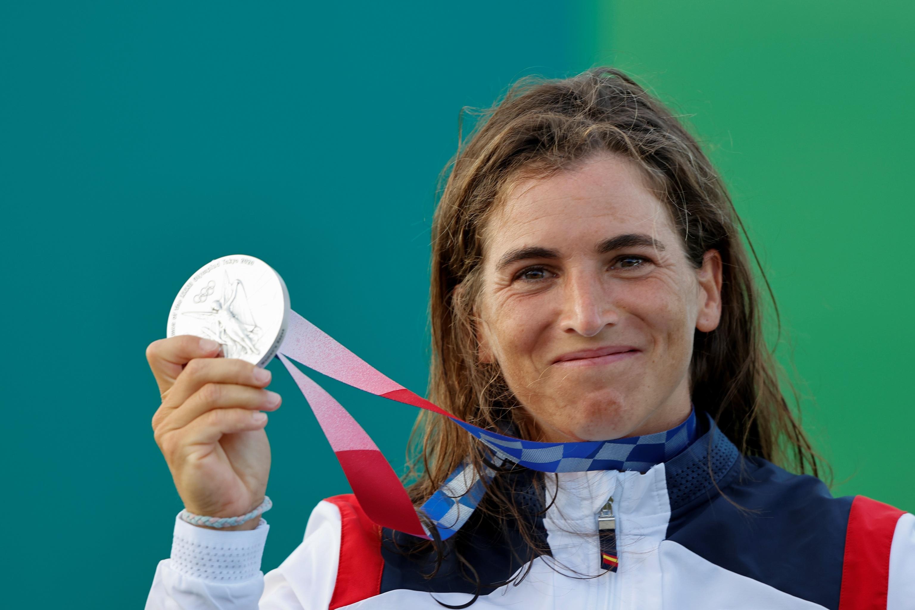 La española Maialen Chourraut tras recibir la medalla de plata
