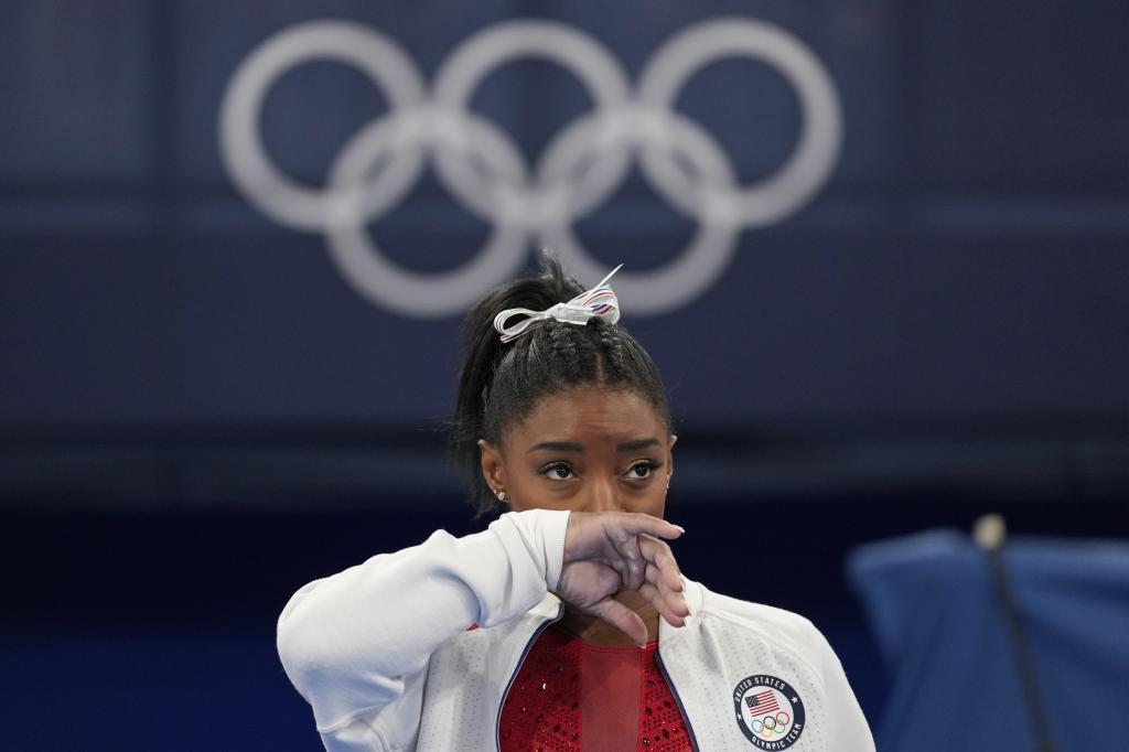 Simone Biles se retira de la competición