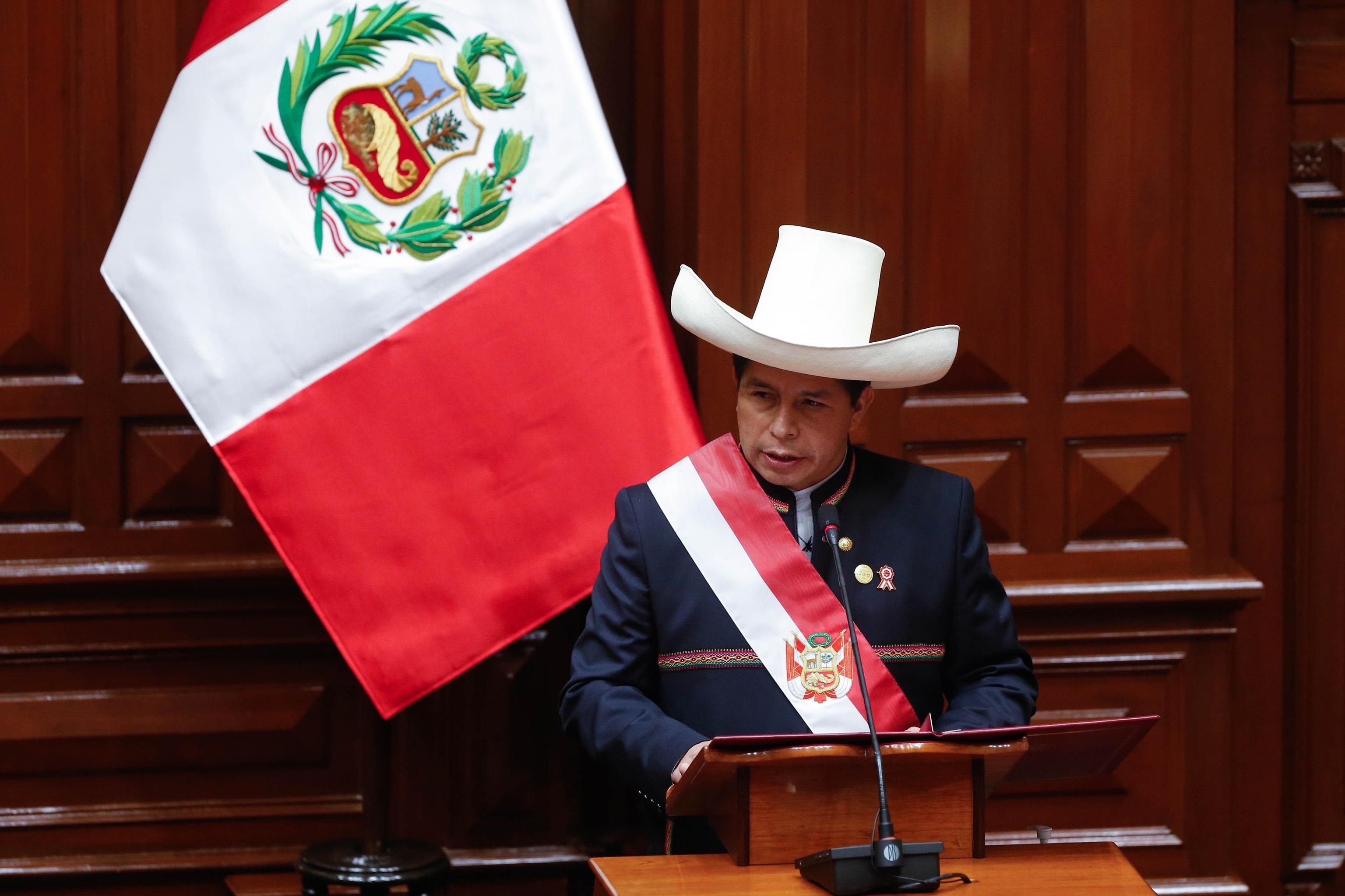 Pedro Castillo durante su investidura en Lima, este jueves.