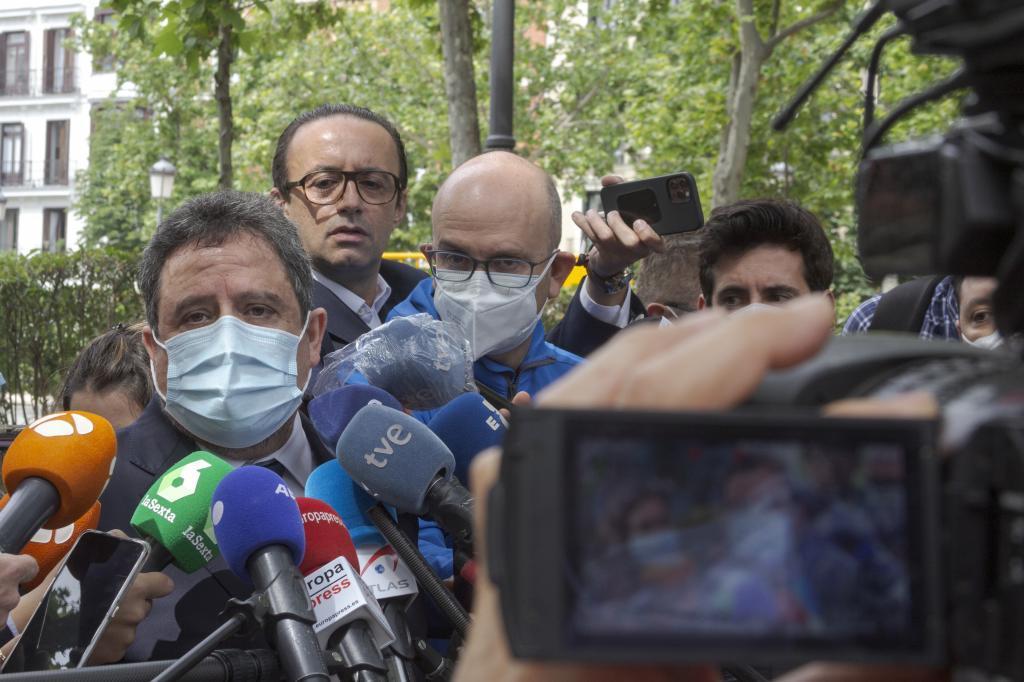 El abogado de Brahim Ghali, Manuel Ollé, a la salida de la Audiencia Nacional tras la declaración del dirigente Saharaui