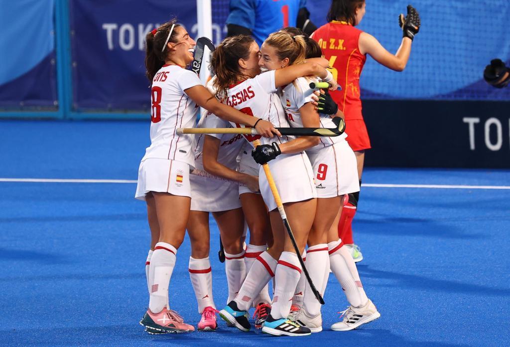 Las españolas celebran un gol contra China.
