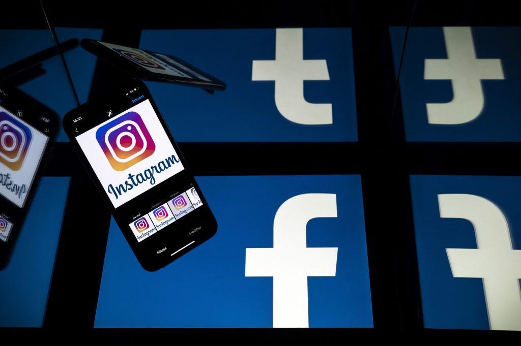Pantallas con los logotipos de Facebook e Instagram
