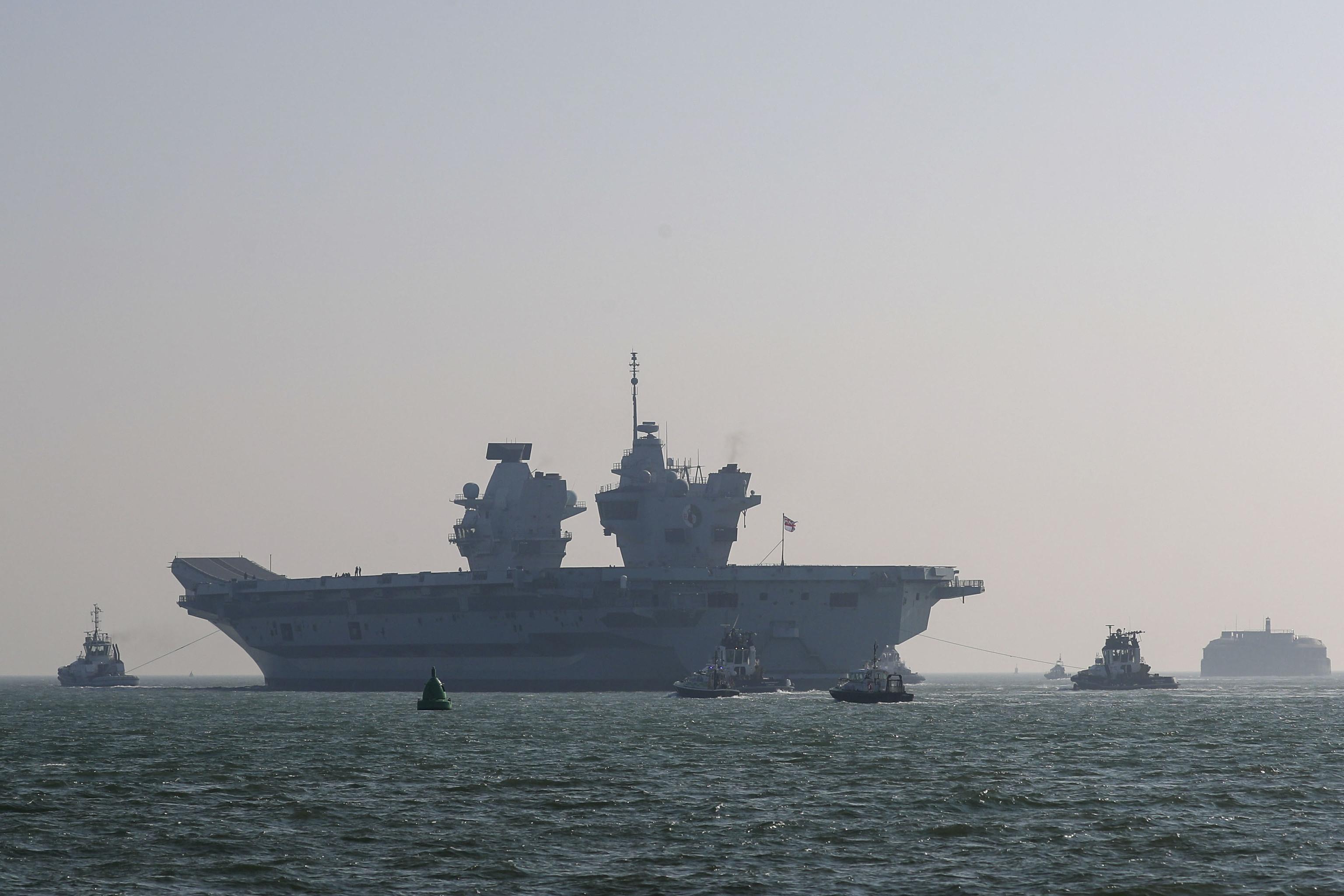 El portaaviones de la Royal Navy, HMS Queen Elizabeth.