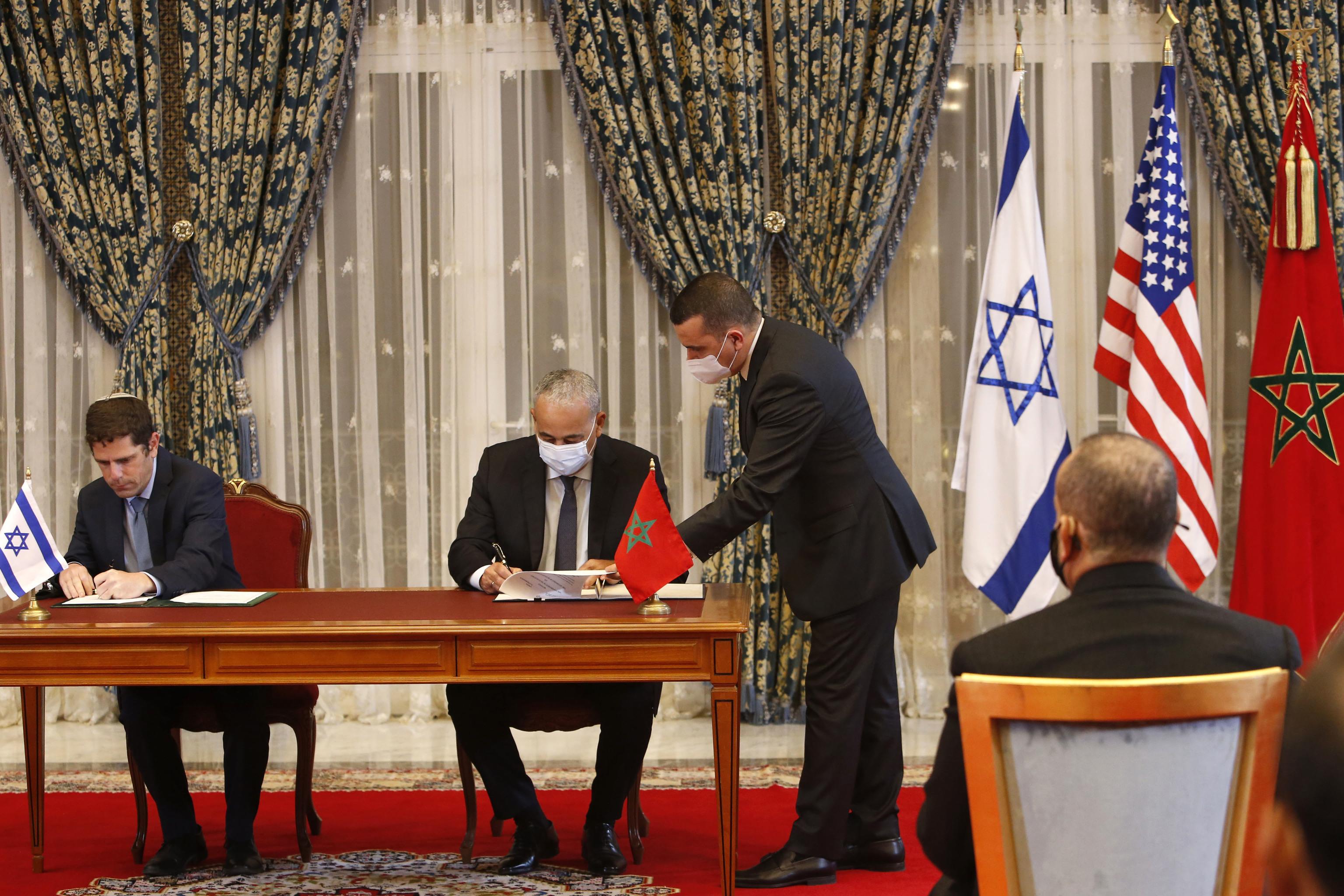 Marruecos e Israel firman acuerdos económicos y de cooperación.